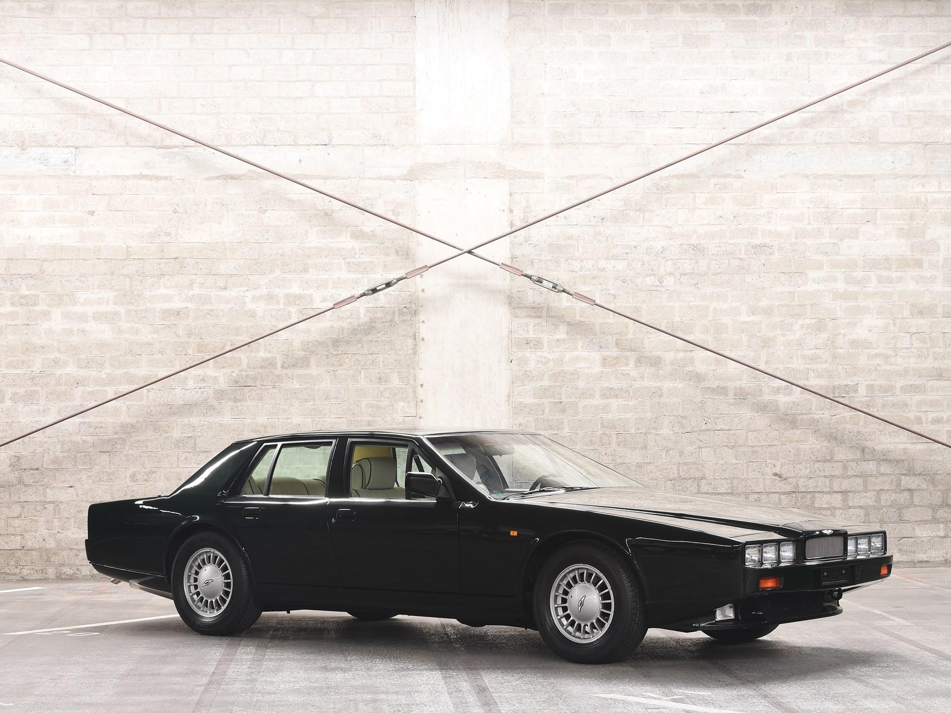 1989 Aston Martin Lagonda Series 4 3/4 front