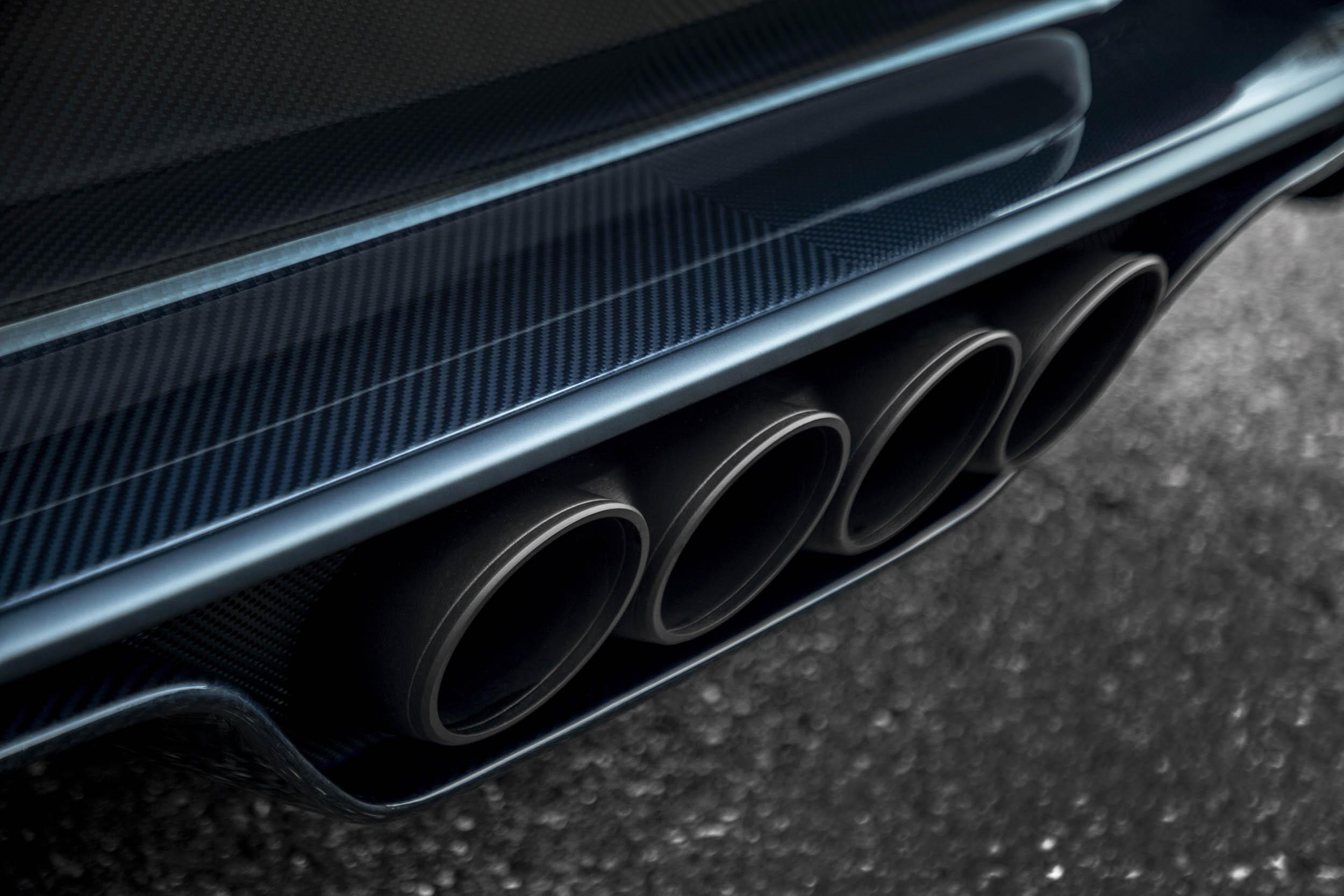 "Bugatti Chiron Sport ""110 ans Bugatti"" exhaust"