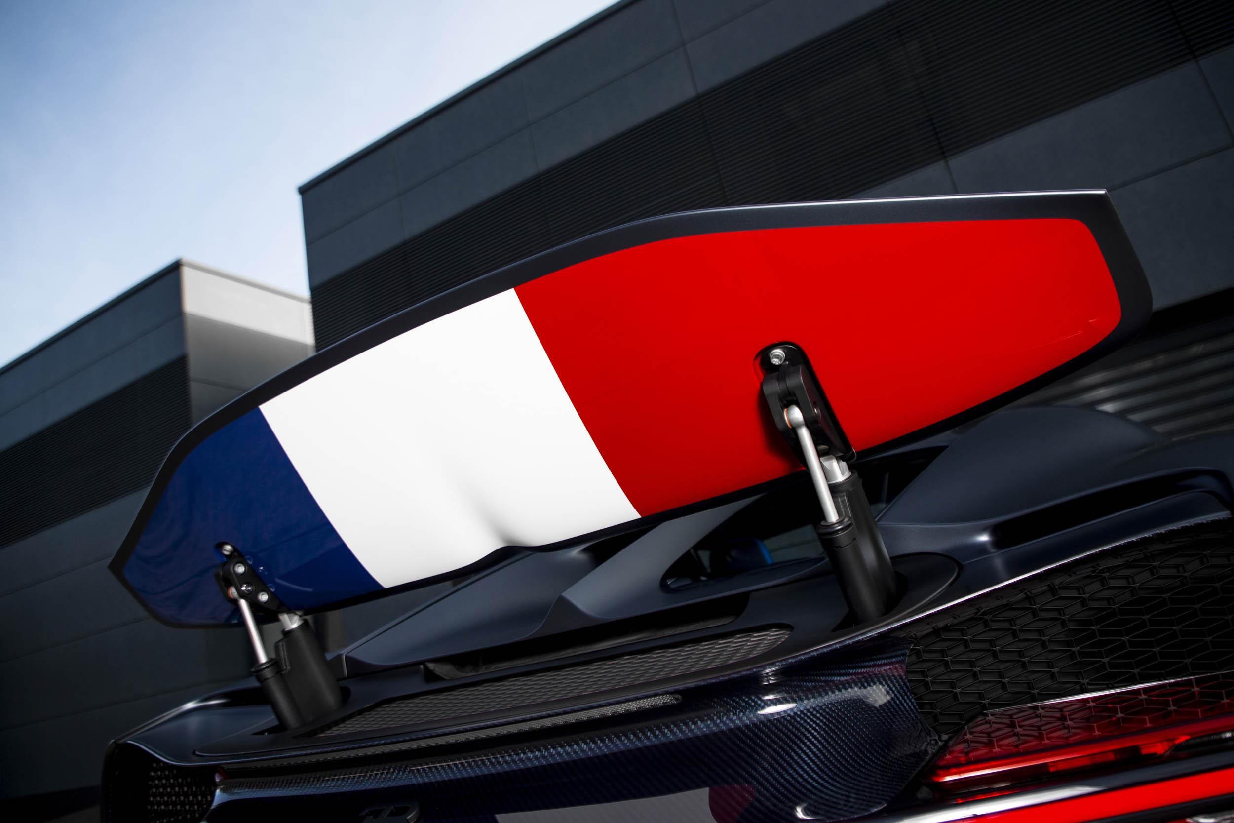 """Bugatti Chiron Sport """"110 ans Bugatti"""" french flag under the spoiler"""