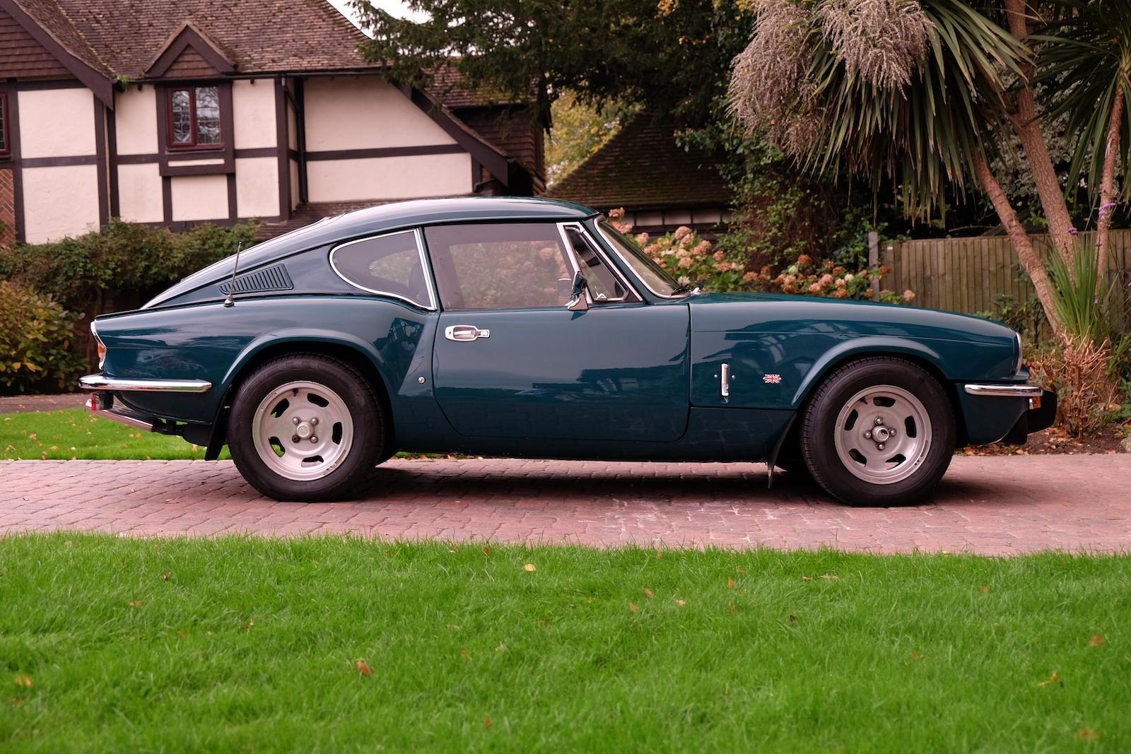 1972 Triumph GT6 Mk III Coupé side profile