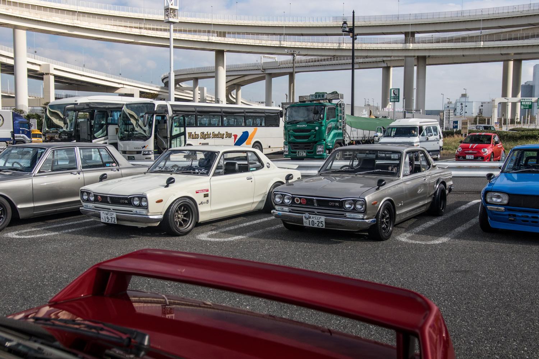 Nissan GT-R Hakosuka parking lot