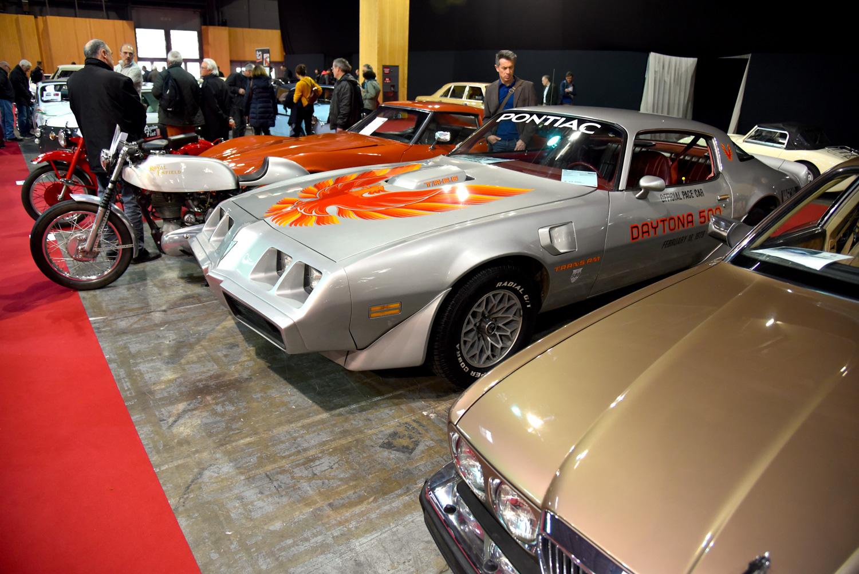 pontiac firebird retromobile display