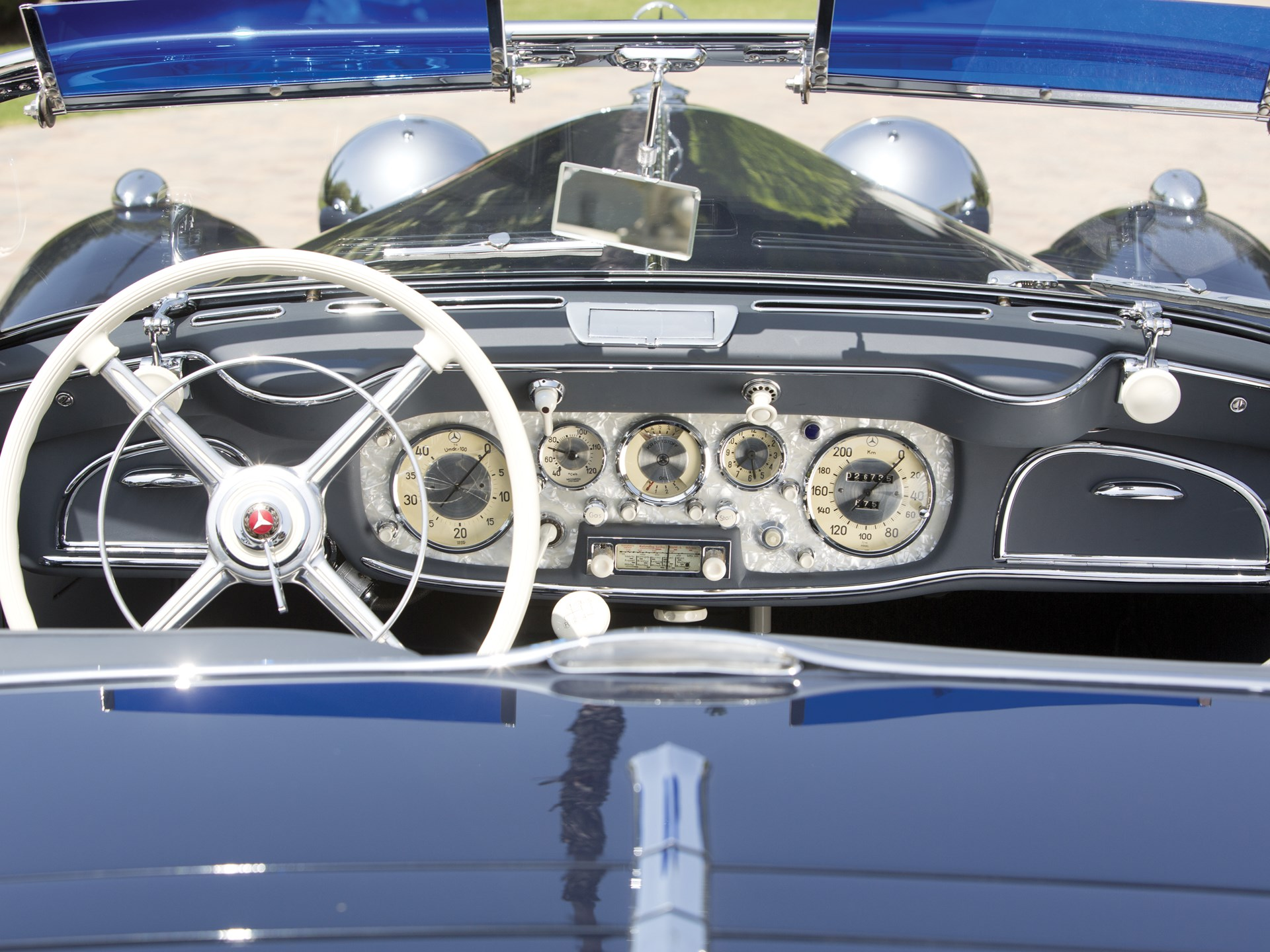 1939 Mercedes-Benz 540k interior gauges