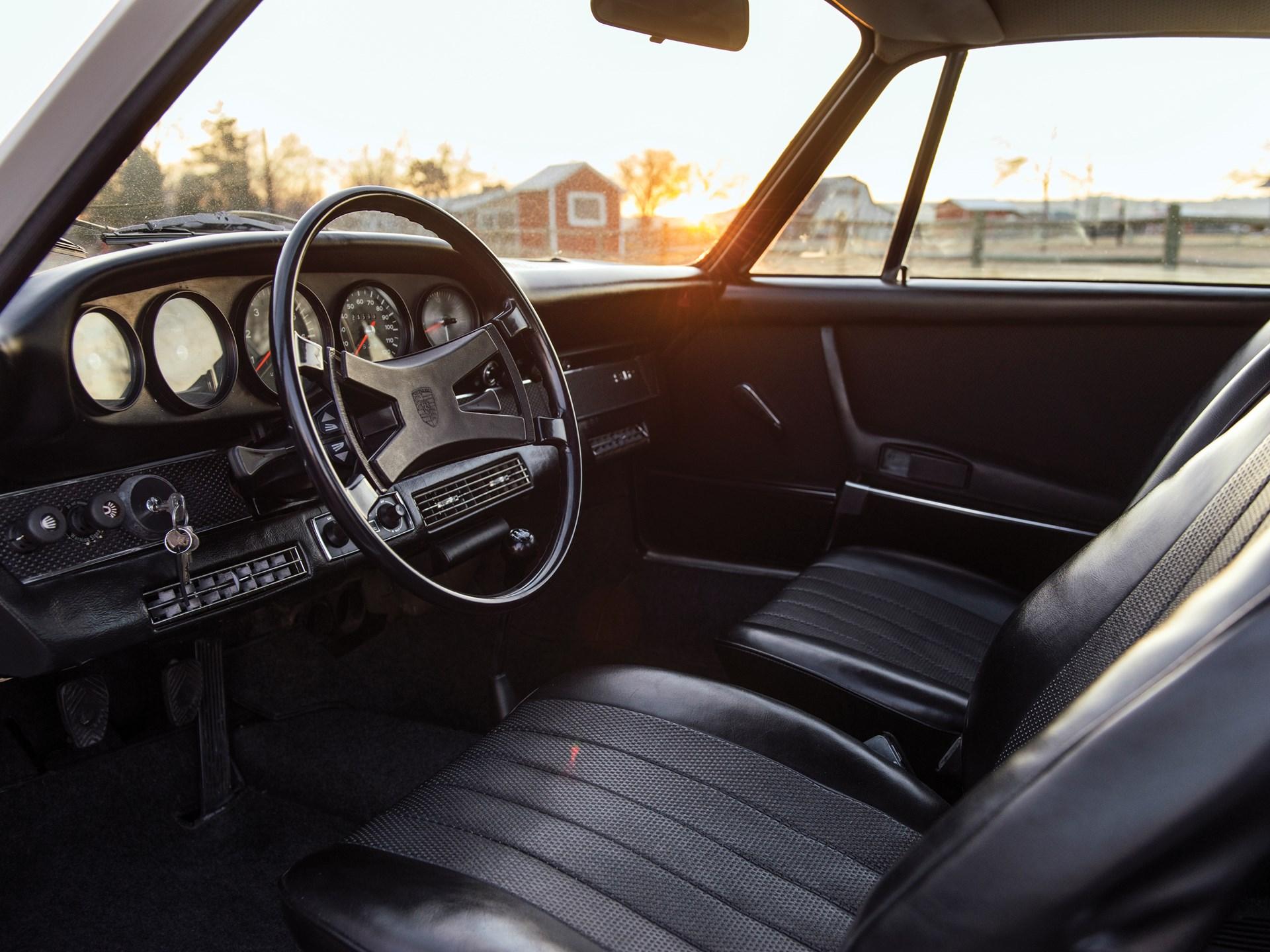 1969 Porsche 912 interior driver
