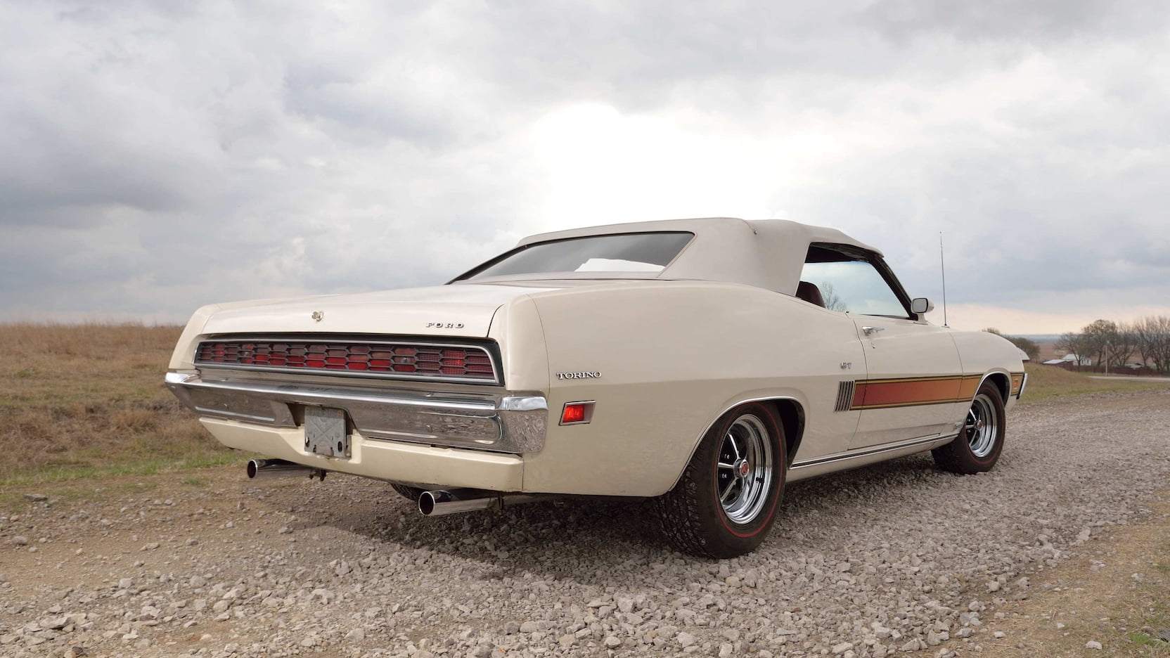 1970 Ford Torino GT rear 3/4 top up