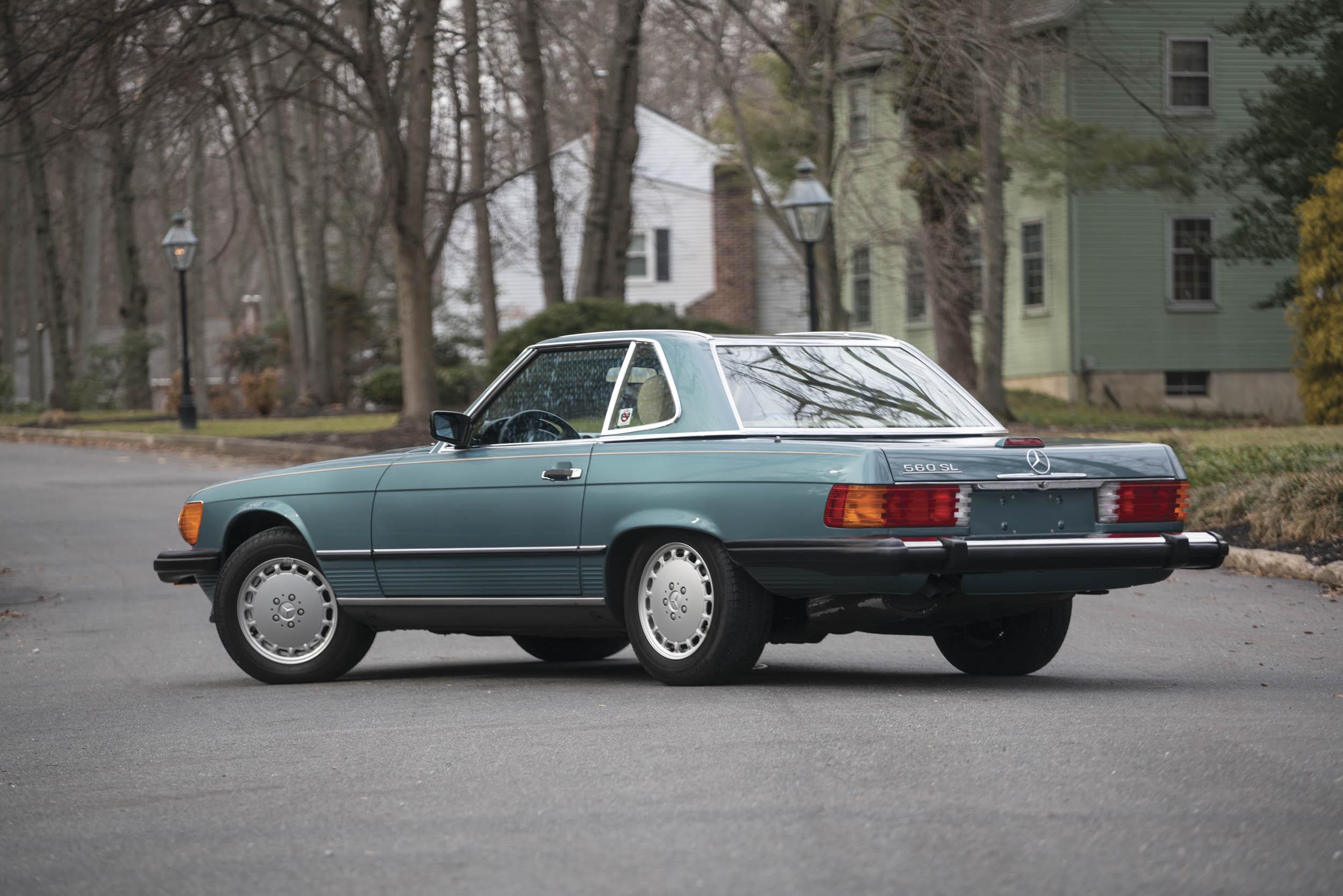1988 Mercedes-Benz 560 SL rear 3/4