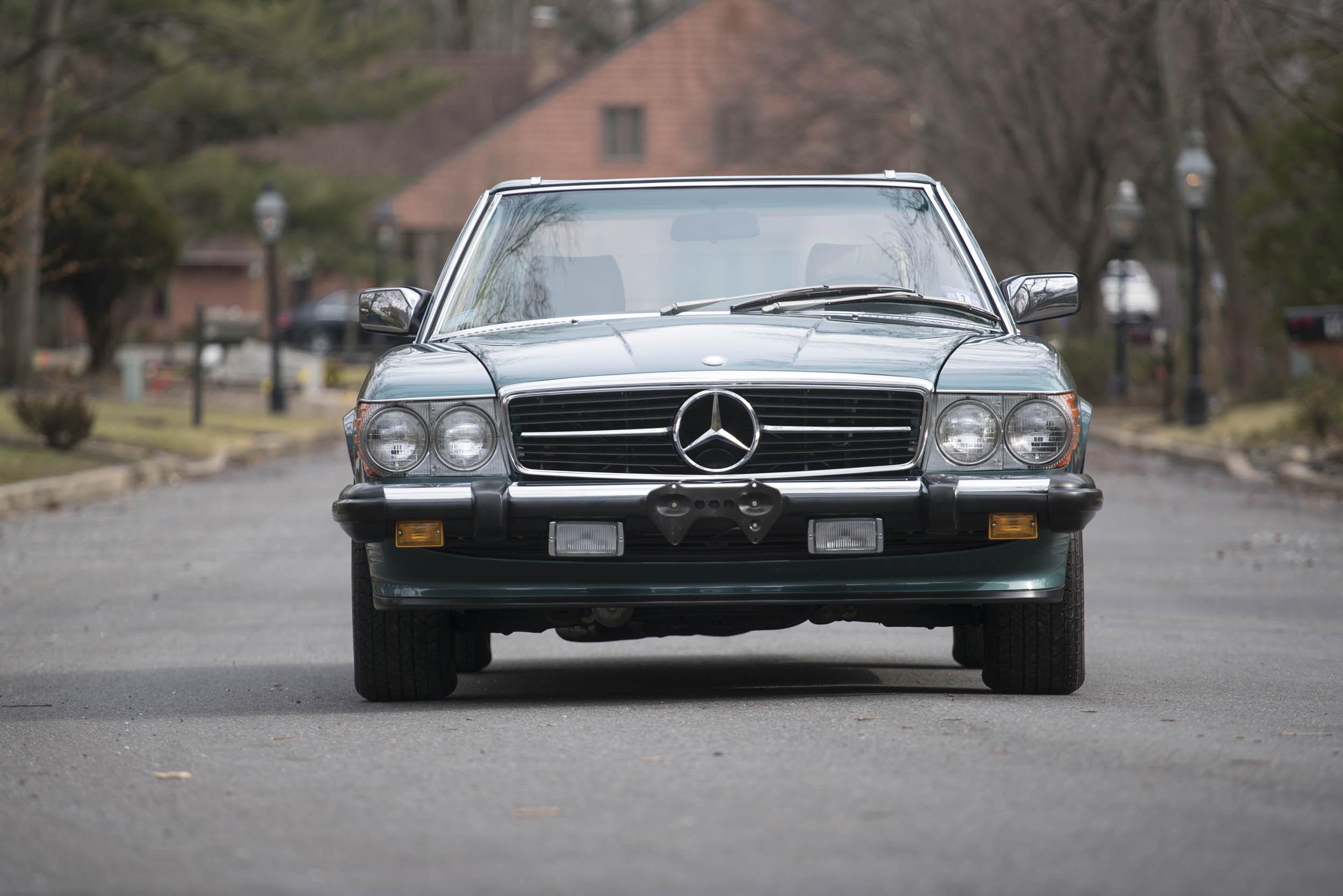 1988 Mercedes-Benz 560 SL front
