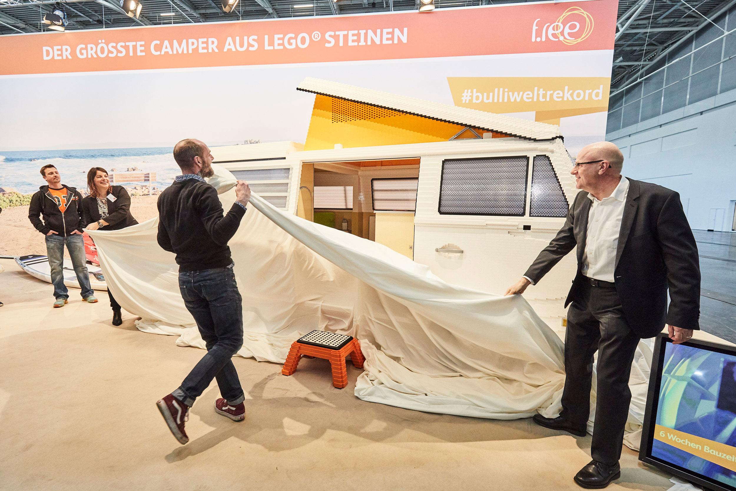 Volkswagen Type 2 created from 400,000 LEGO bricks reveal