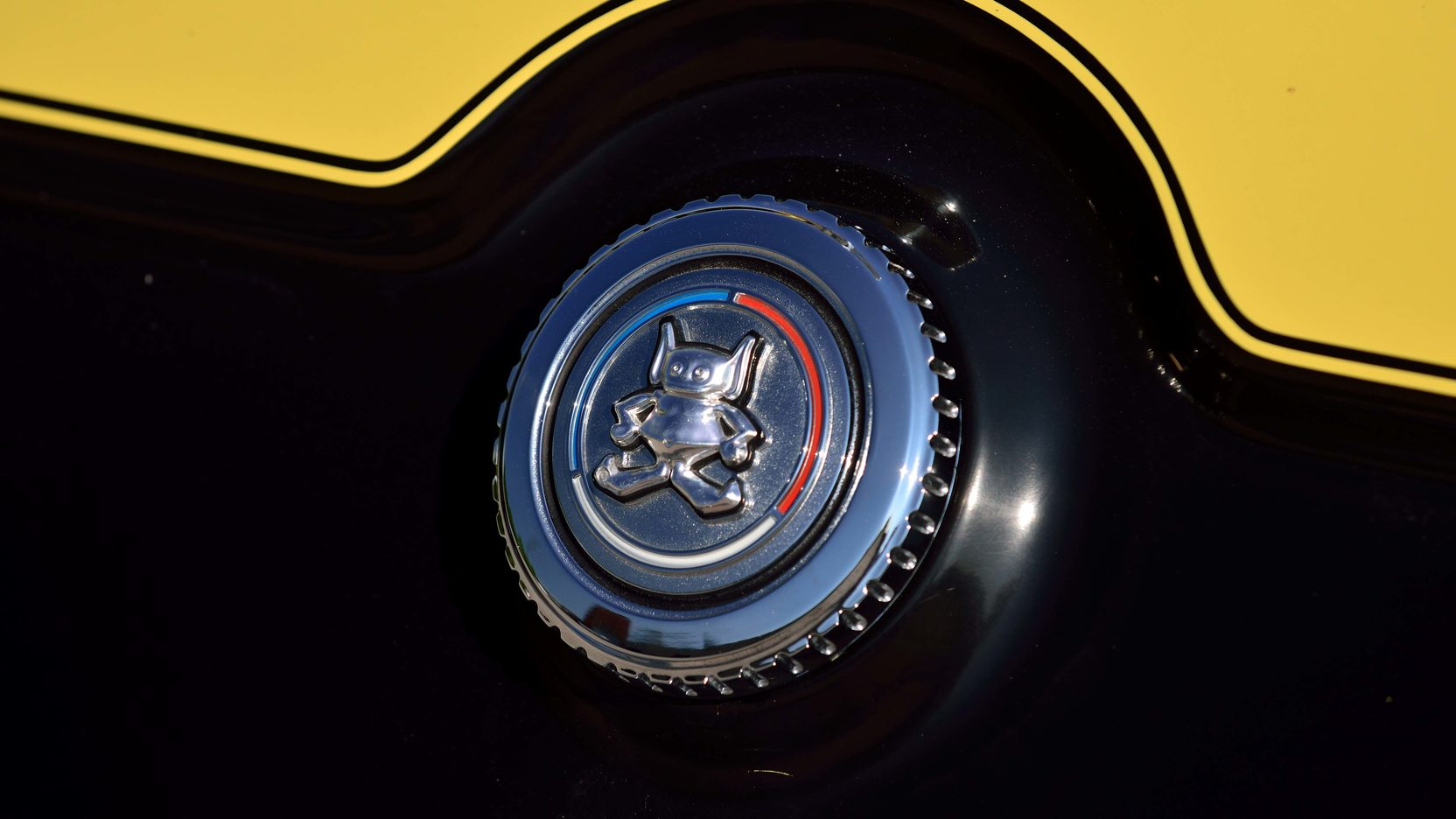 1972 AMC Gremlin badge