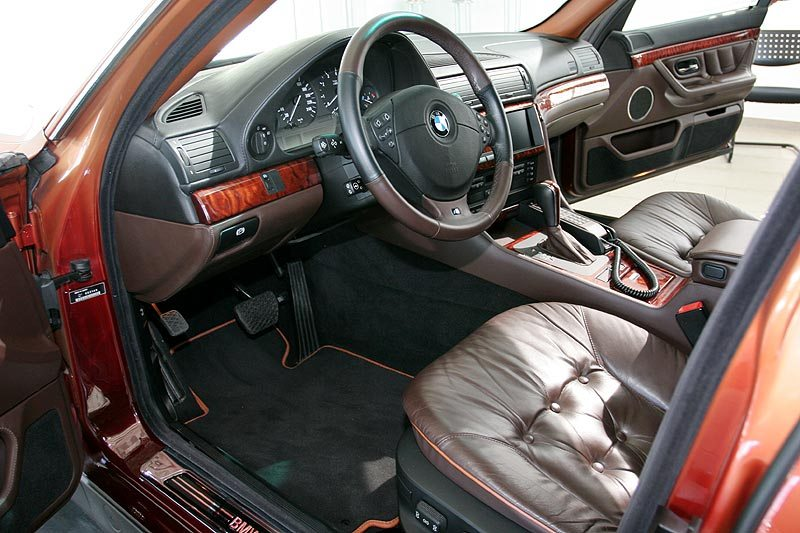 2000 BMW L7 limo front seat