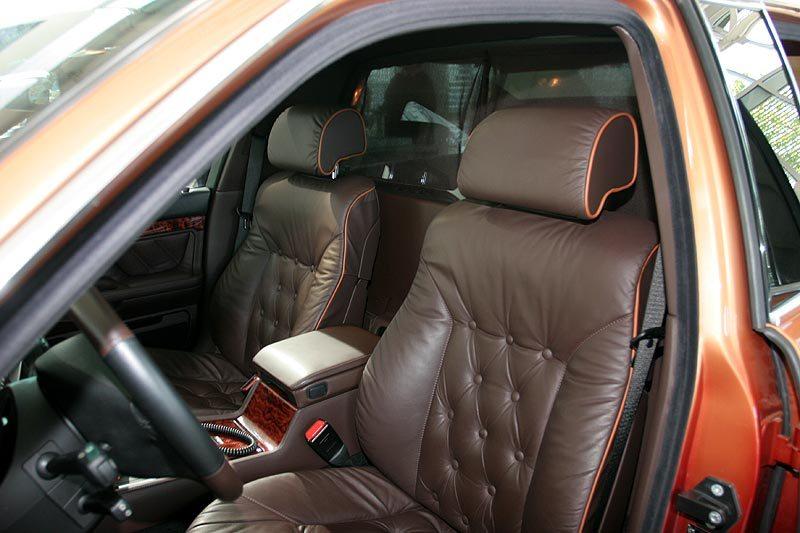 2000 BMW L7 limo seat detail