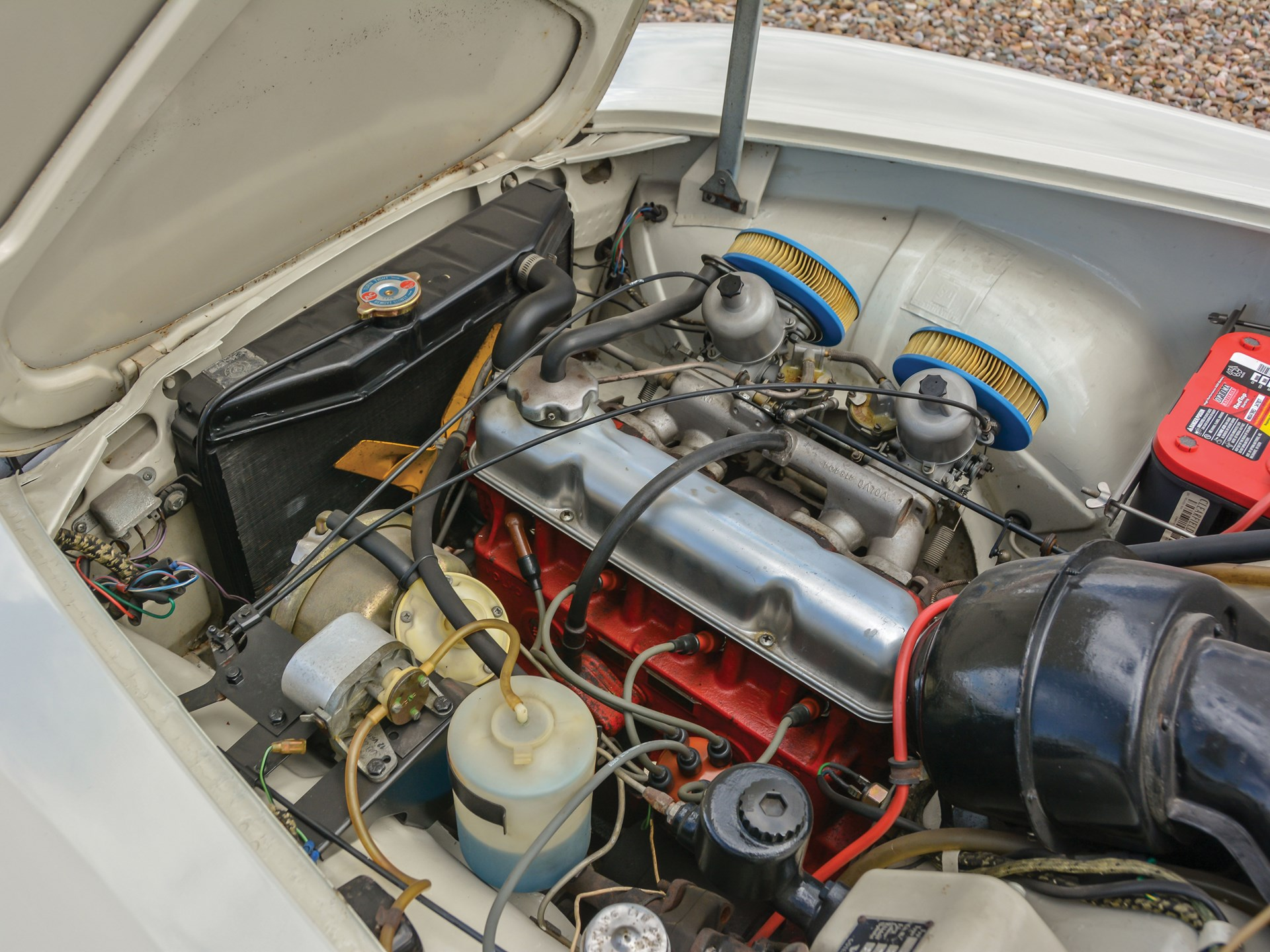 1965 Volvo 1800S engine