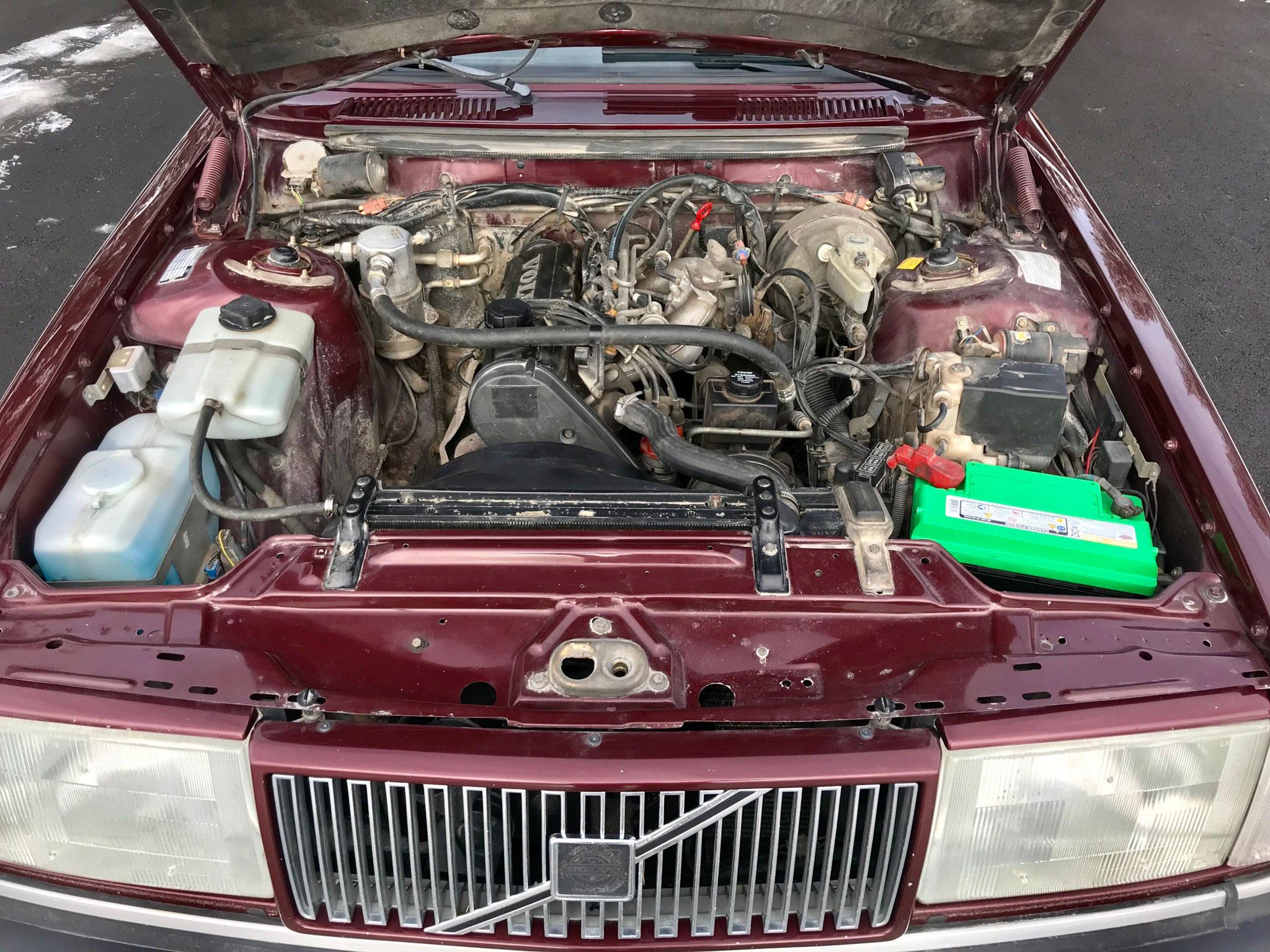 1993 Volvo 240 Classic LE Wagon engine