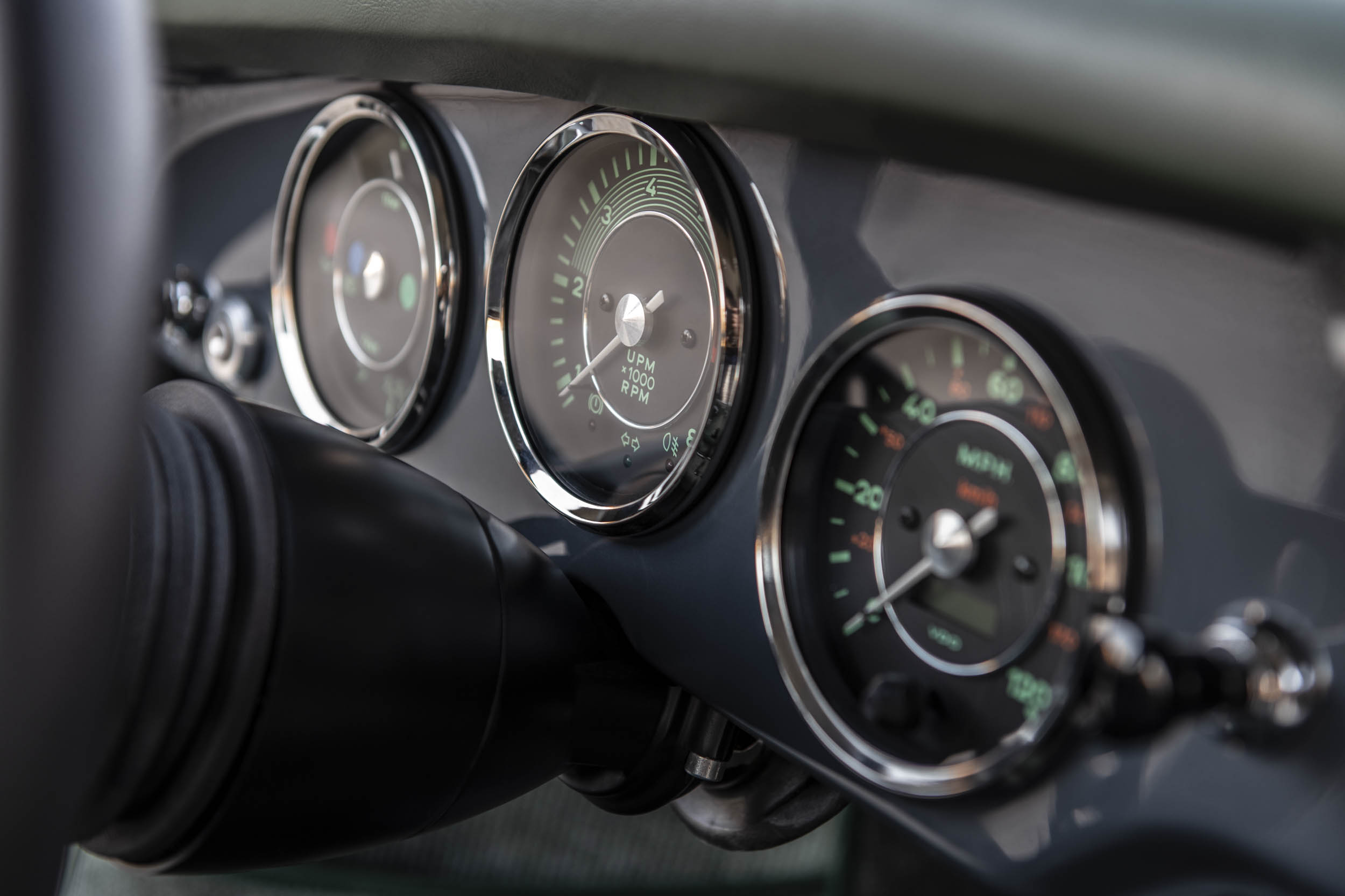 Emory Porsche 356 C4S Allrad gauges