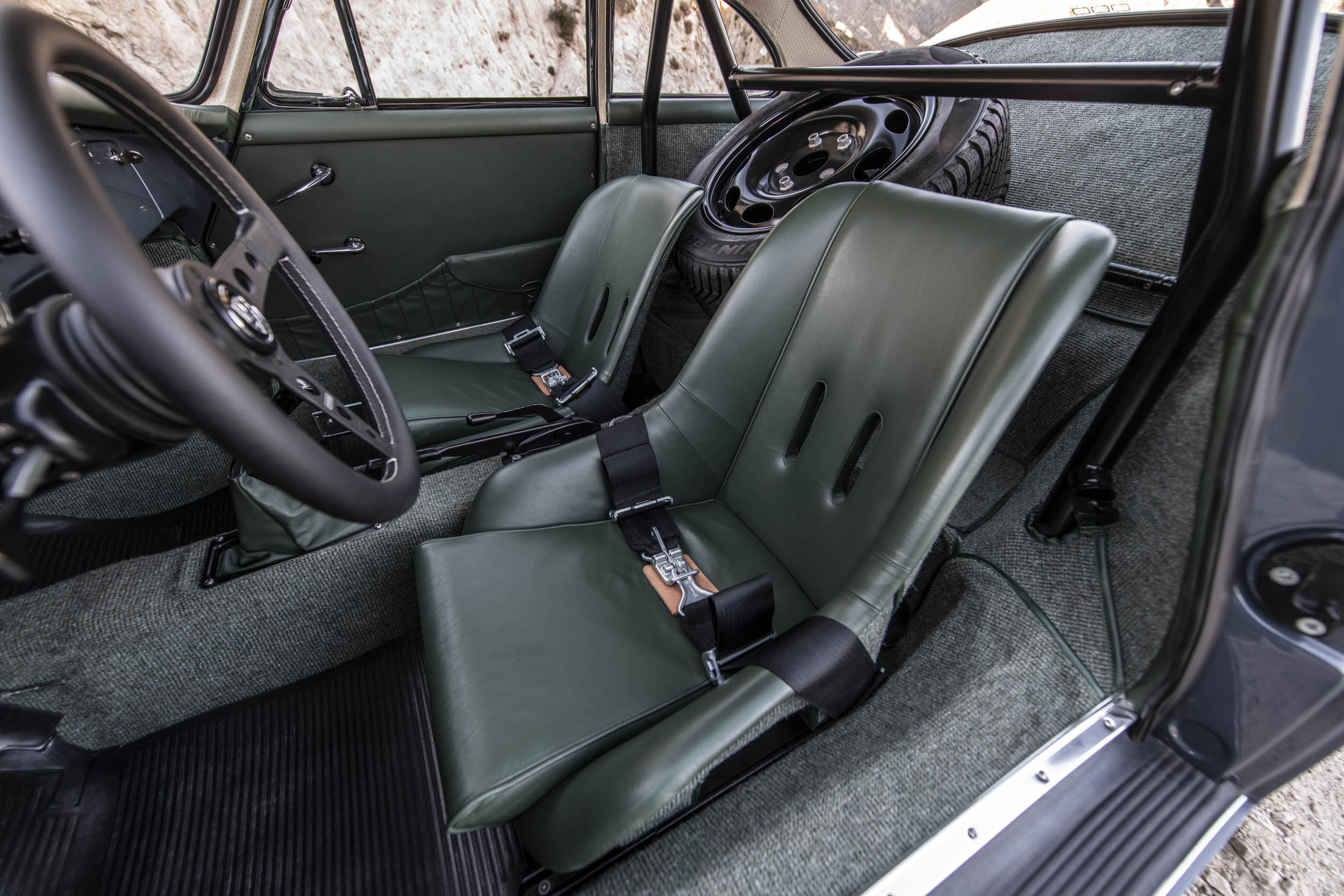 Emory Porsche 356 C4S Allrad seat detail