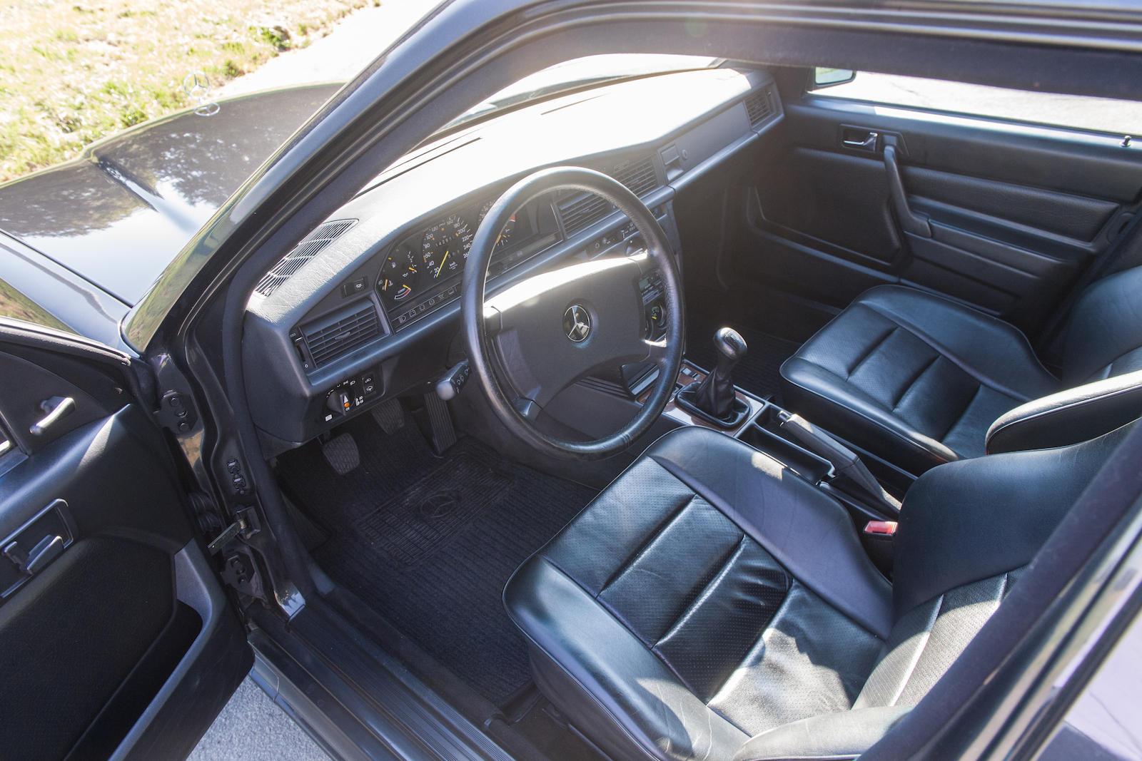 1985 Mercedes-Benz 190E 2.3-16 Sports Saloon interior
