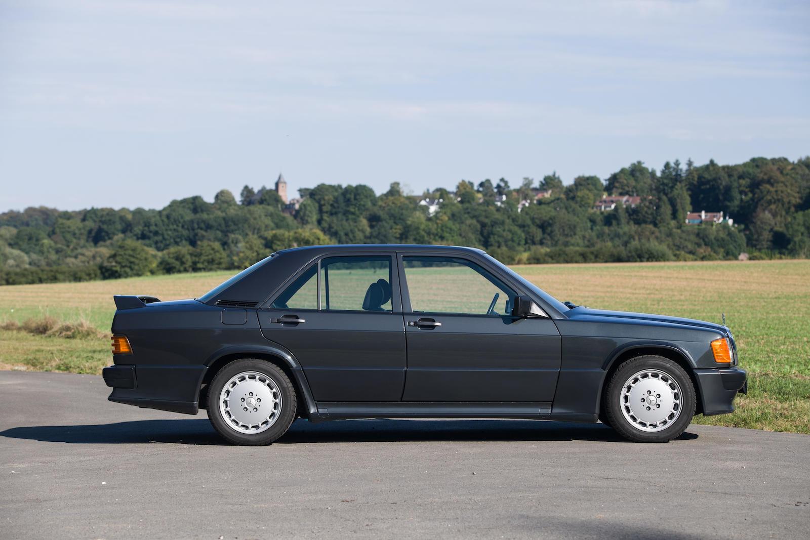 1985 Mercedes-Benz 190E 2.3-16 Sports Saloon side profile