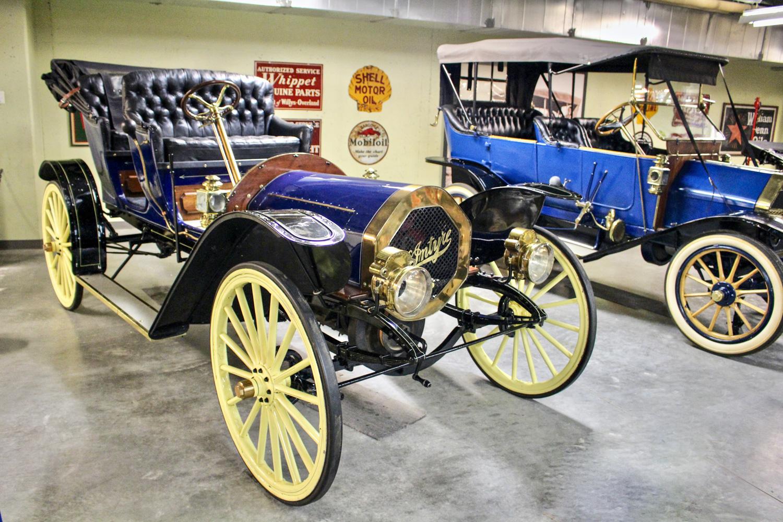 Gasoline Alley vintage blue touring car