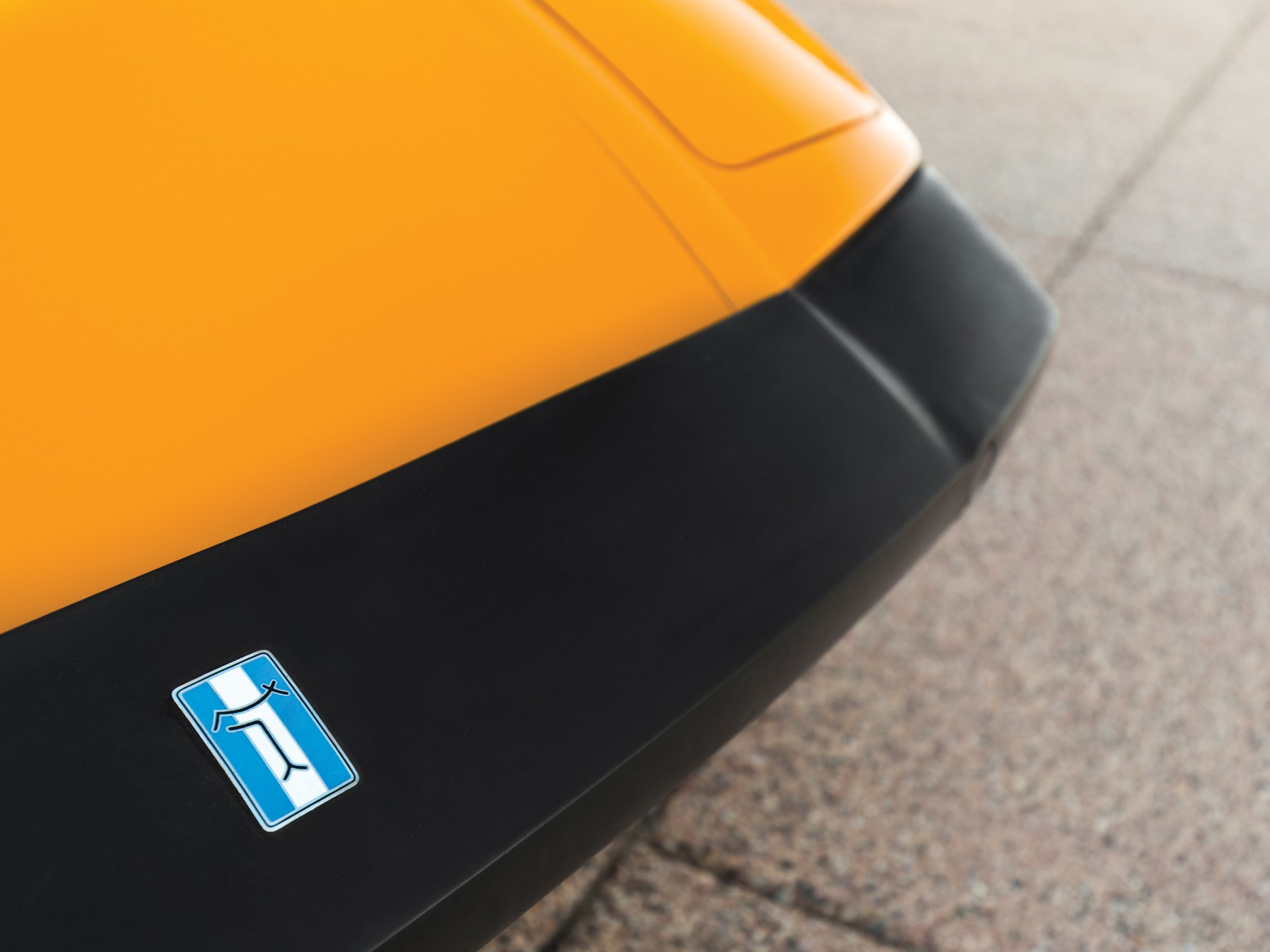 1973 De Tomaso Pantera nose detail