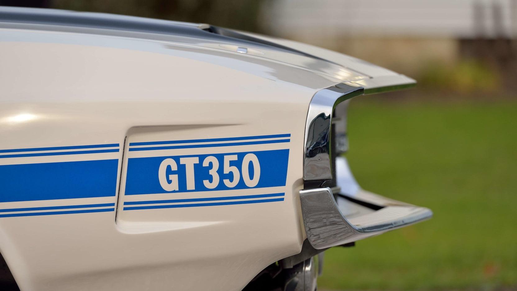 1970 Shelby GT350 fender logo