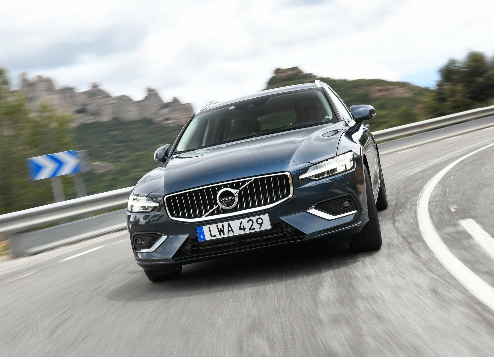 2019 Volvo V60 front driving low