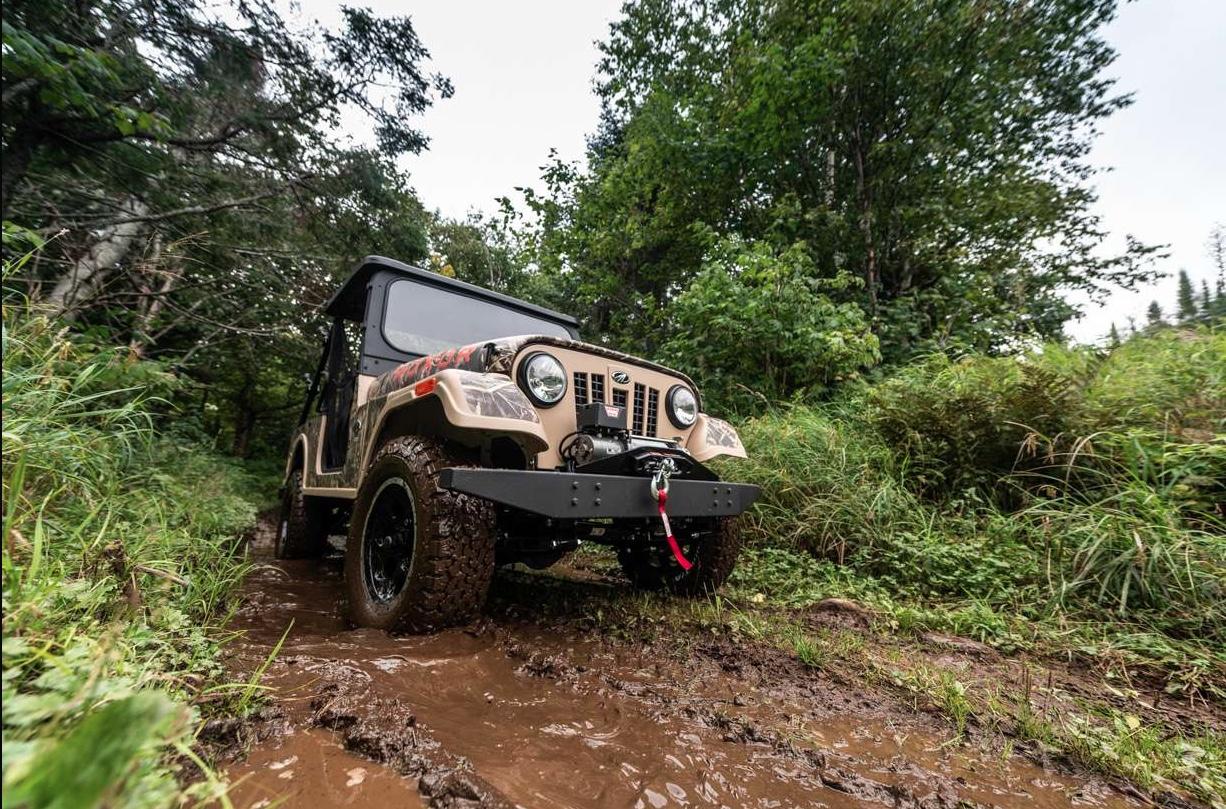 Mahindra Roxor 3/4 low off road