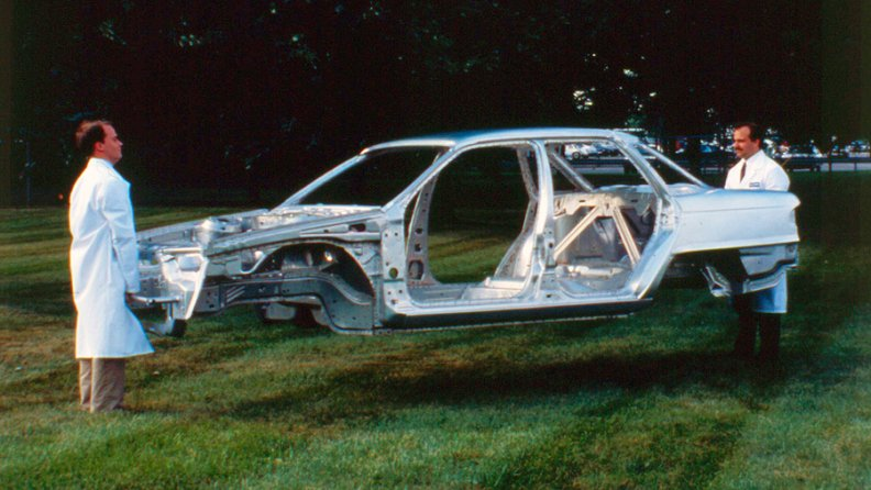 The use of aluminum shaved nearly 400 lbs. of weight from the Mercury Sable's body and chassis.