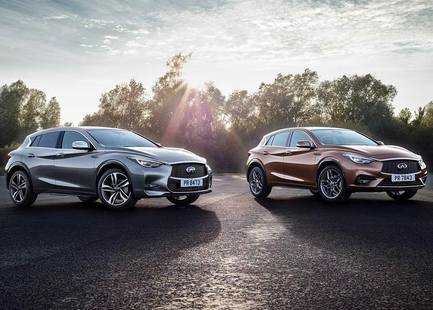 2017 Infinity QX30 3/4 front sun rise