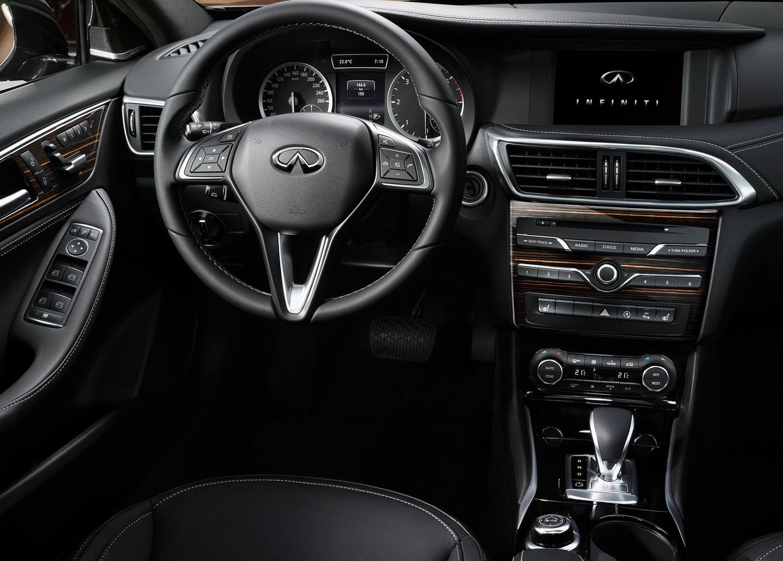 2017 Infinity QX30 interior driver