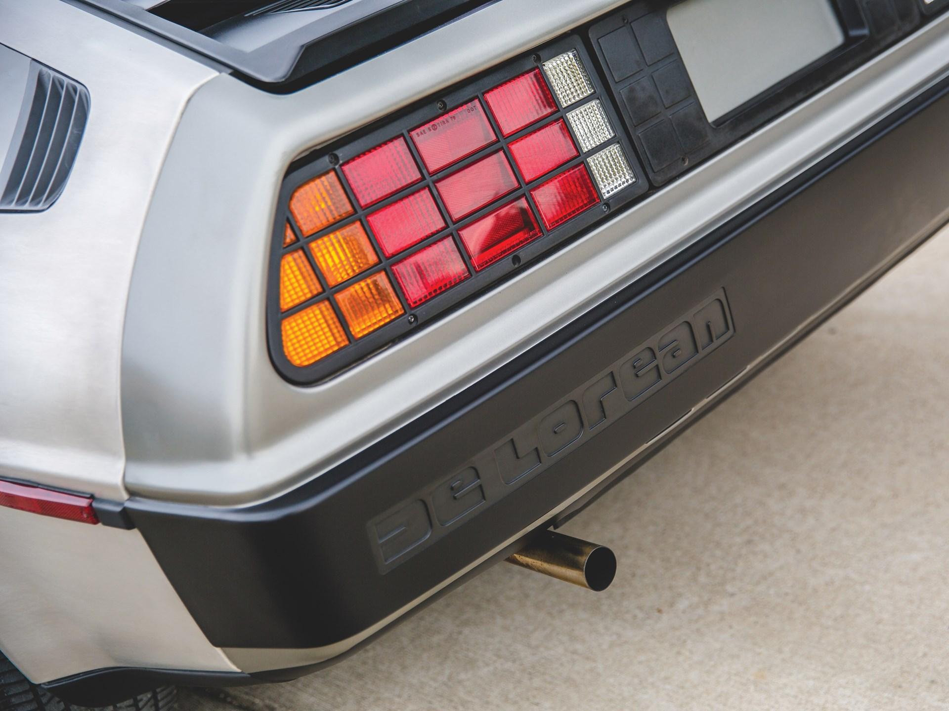 1981 DeLorean DMC-12 rear bumper detail