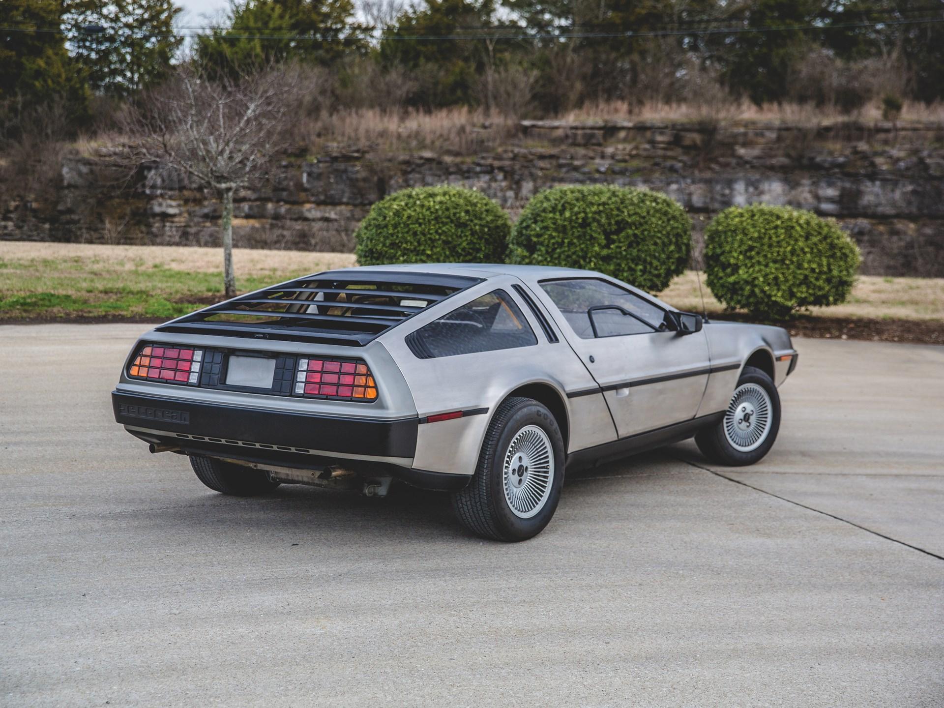 1981 DeLorean DMC-12 3/4 rear