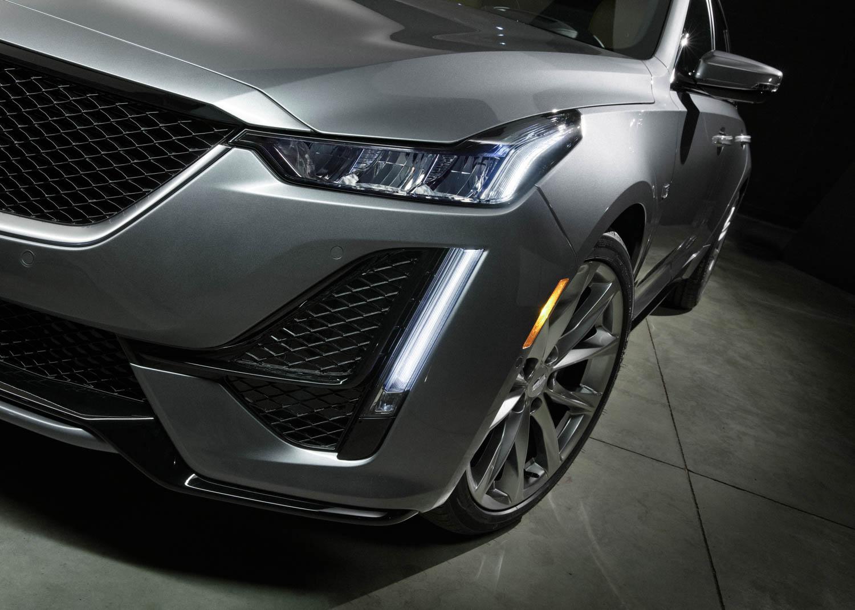 2020 Cadillac CT5 Sport headlights