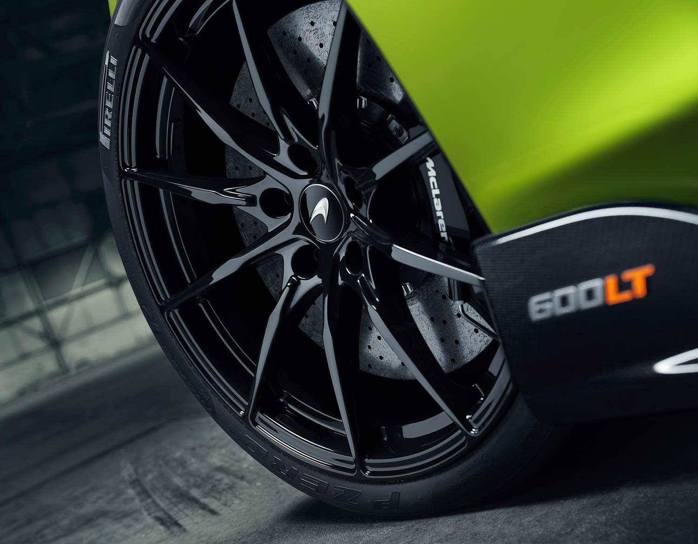 McLaren 600LT Spider wheel detail