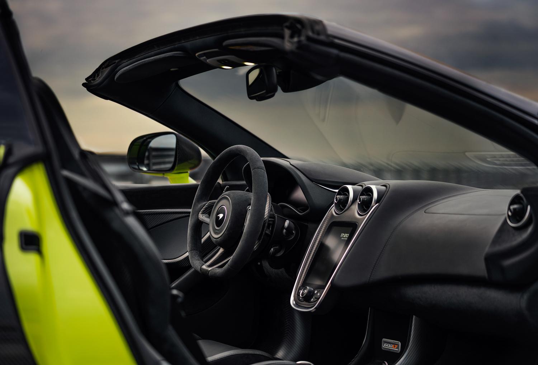 McLaren 600LT Spider interior passenger side