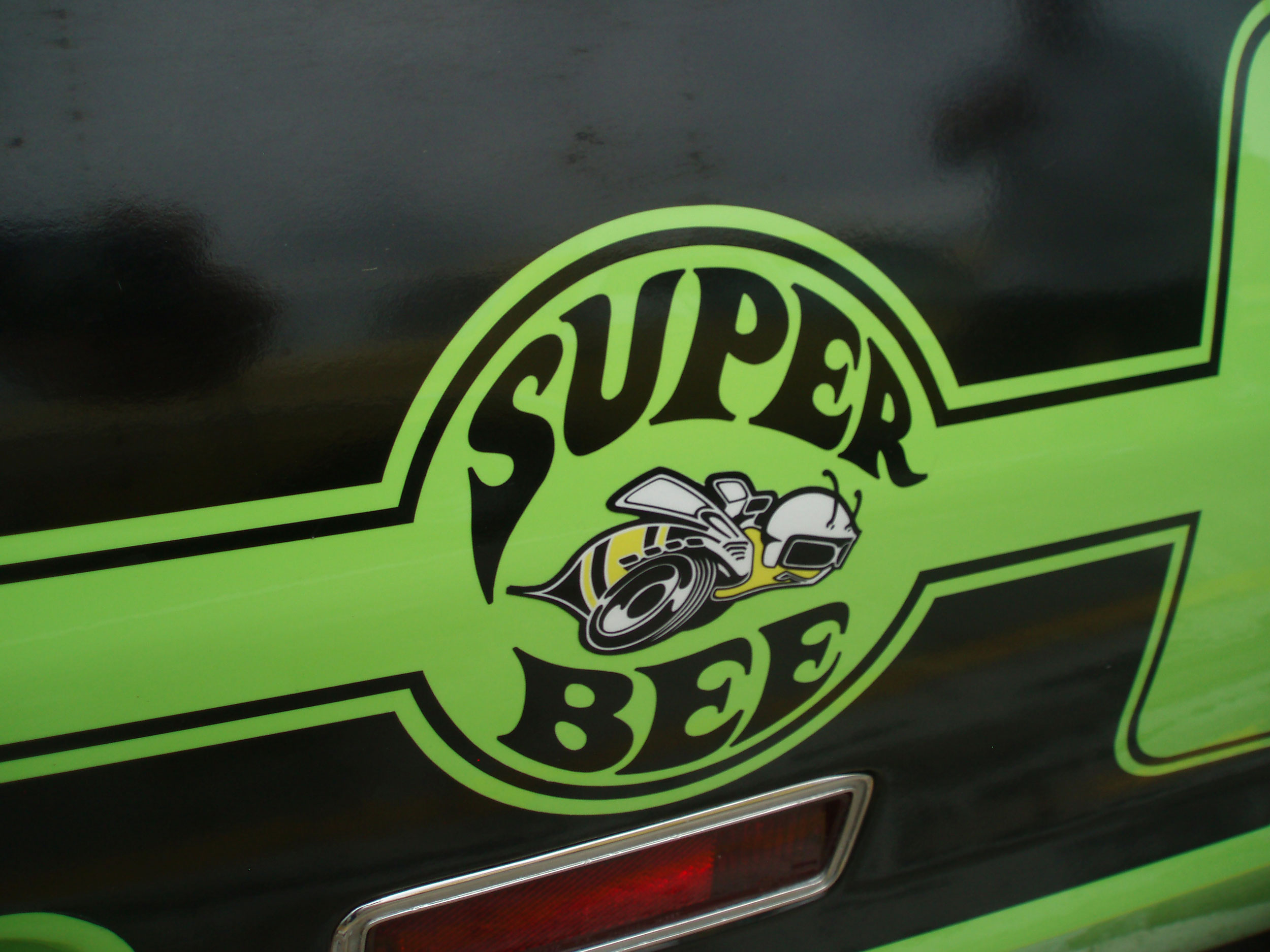 Dodge Super Bee logo