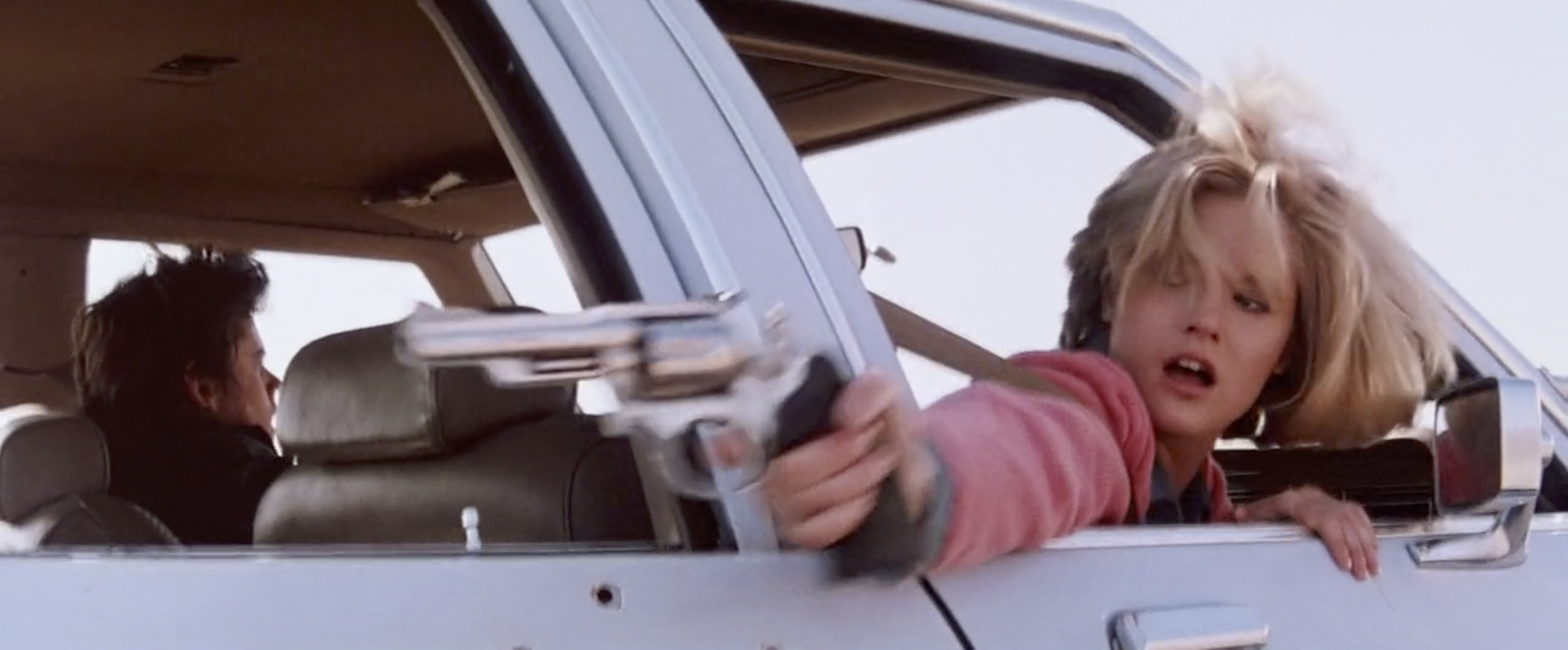 hitcher returning fire car chase