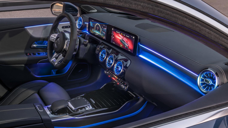 Mercedes-AMG A 35 blue lights