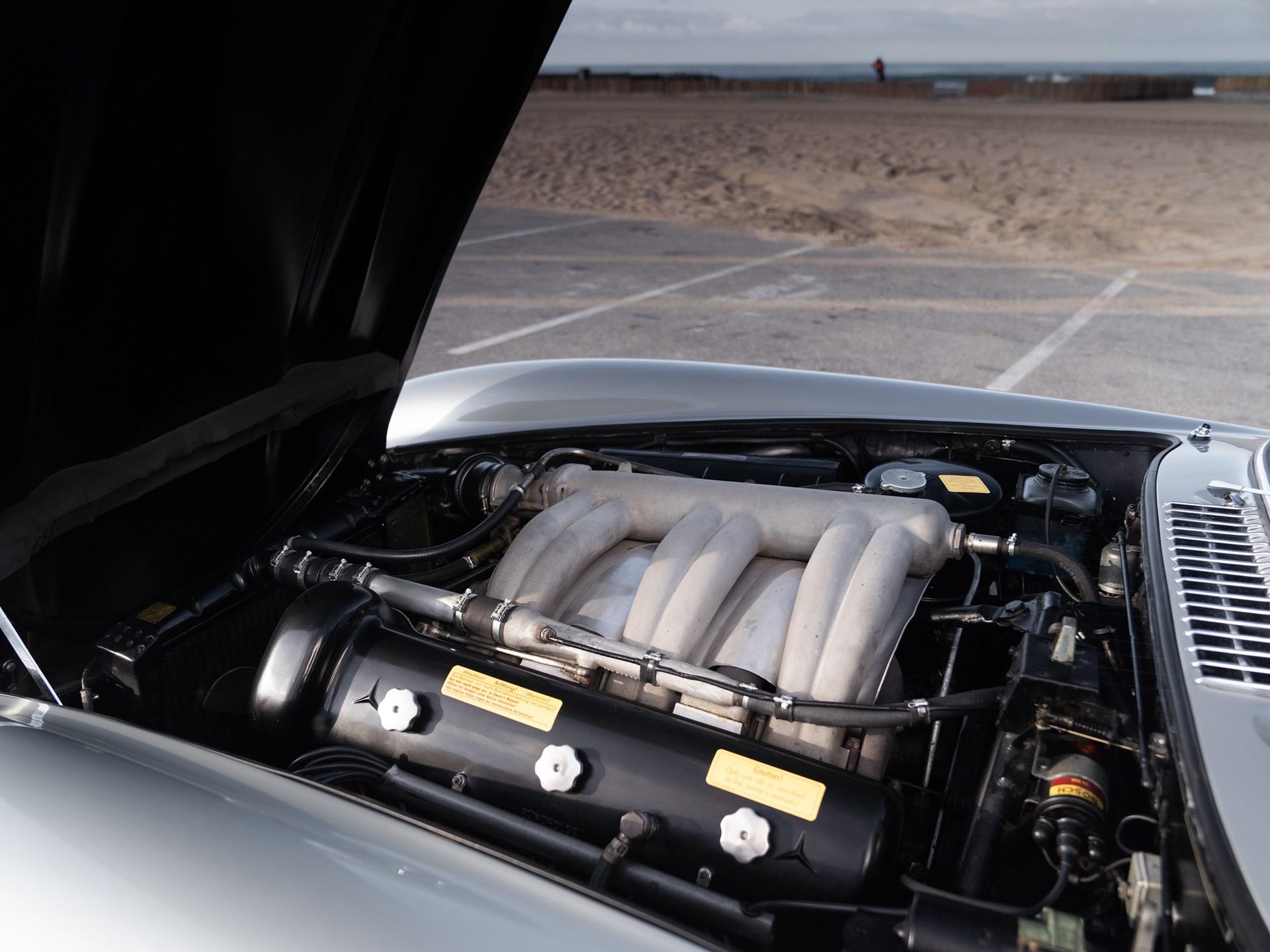 1955 Mercedes-Benz 300 SL Gullwing engine