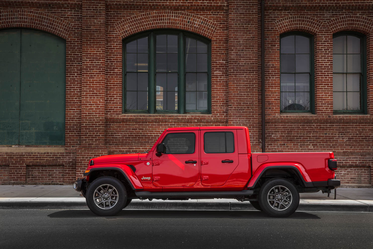 2020 Jeep Gladiator side profile