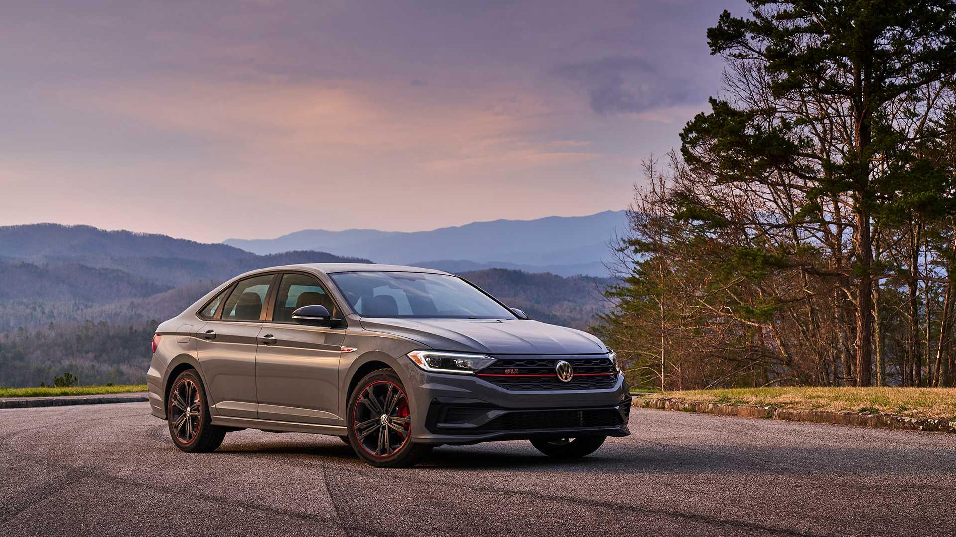 2019 Volkswagen Jetta GLI front 3/4