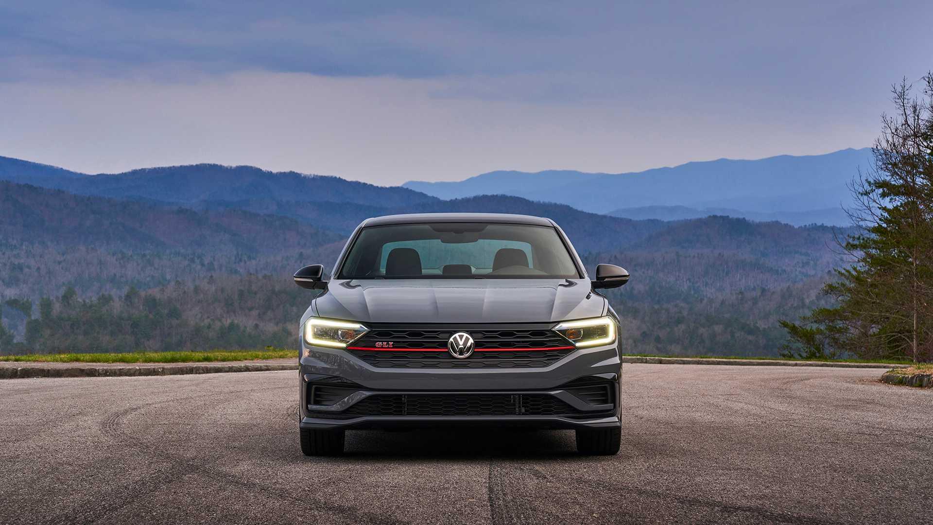 2019 Volkswagen Jetta GLI front
