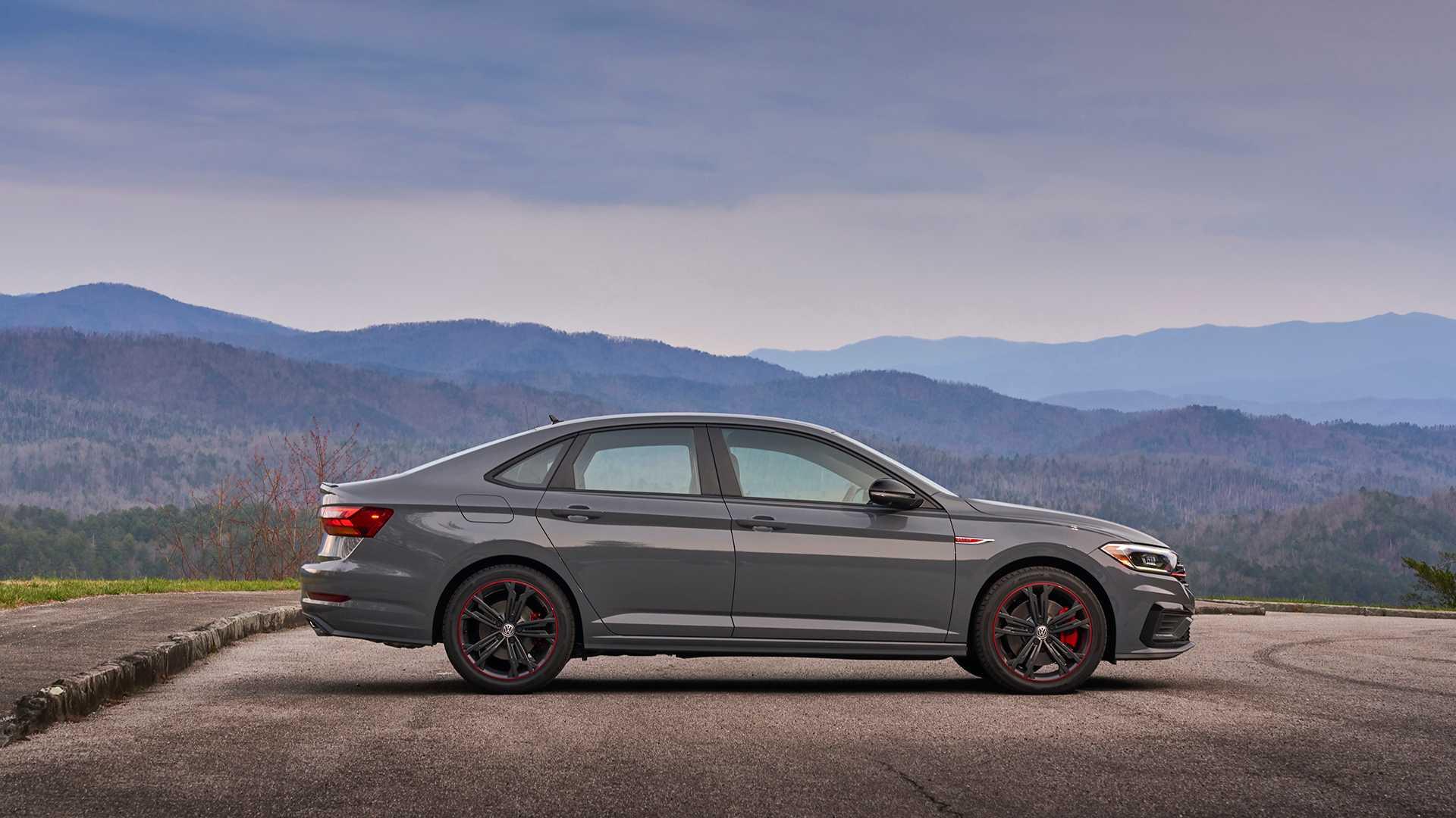 2019 Volkswagen Jetta GLI side profile