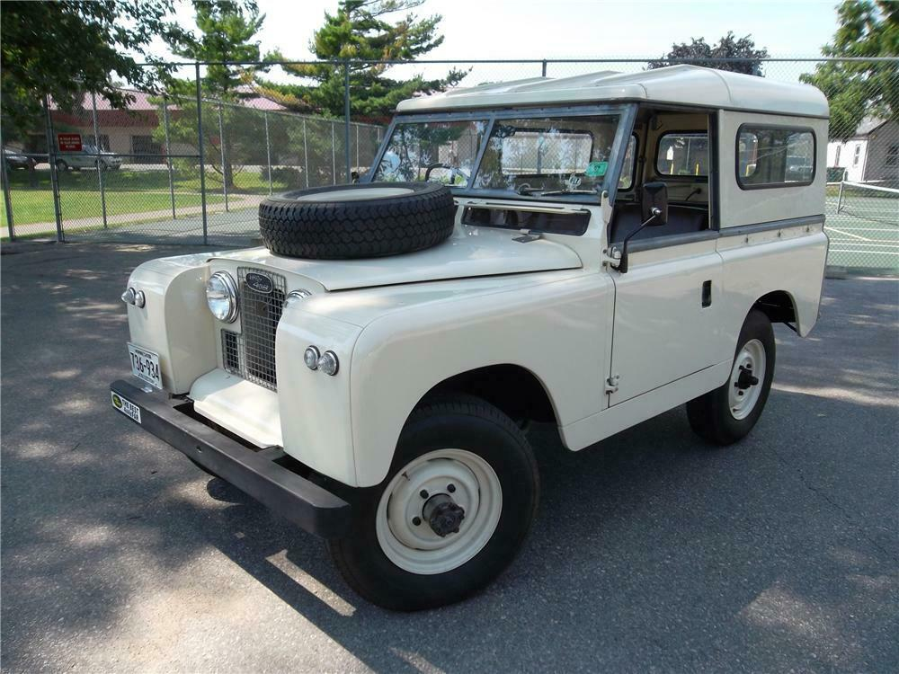 1965 Land Rover Series IIA 3/4 front
