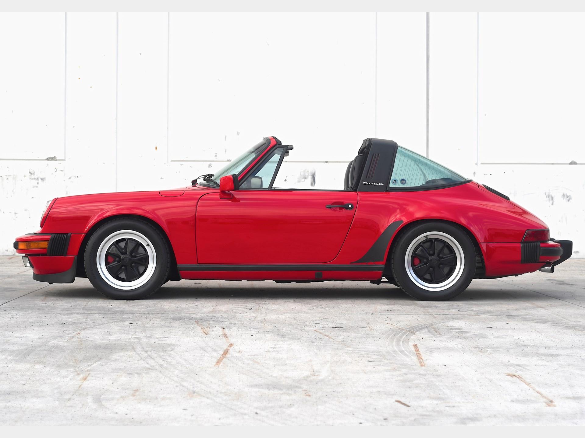 1980 Porsche 911 SC Targa side