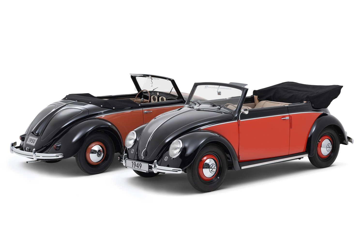 70 years of production of the Beetle Cabriolet: Volkswagen 1100 Hebmüller Cabriolet (left) and Volkswagen 1100 Karmann Cabriolet (right)