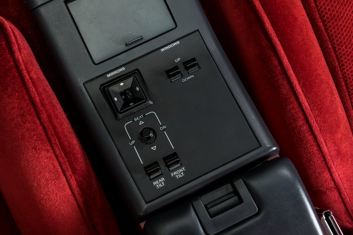 1987 Ford Thunderbird Turbo Coupe center console controls