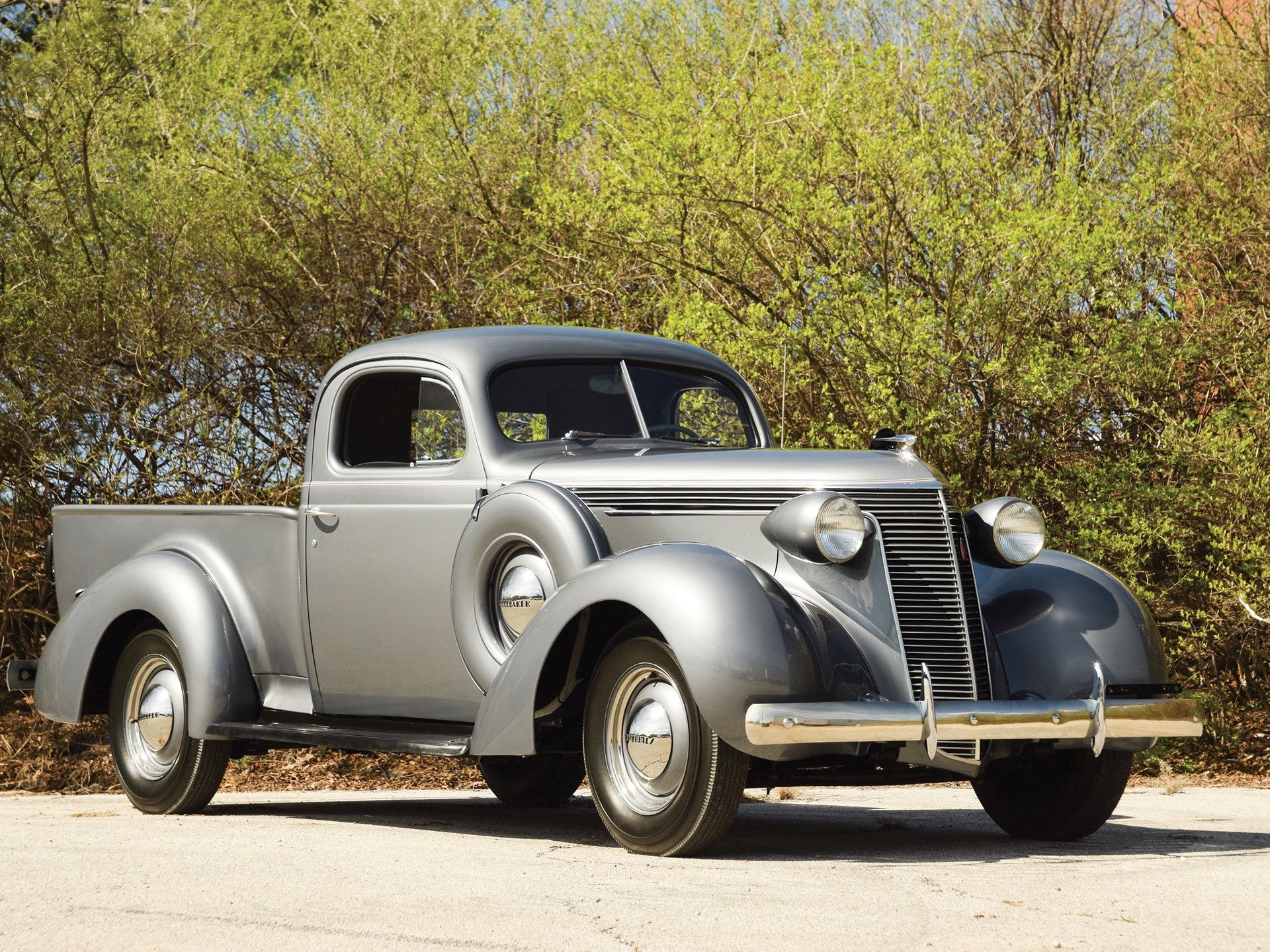 1937 Studebaker J5 Coupe Express