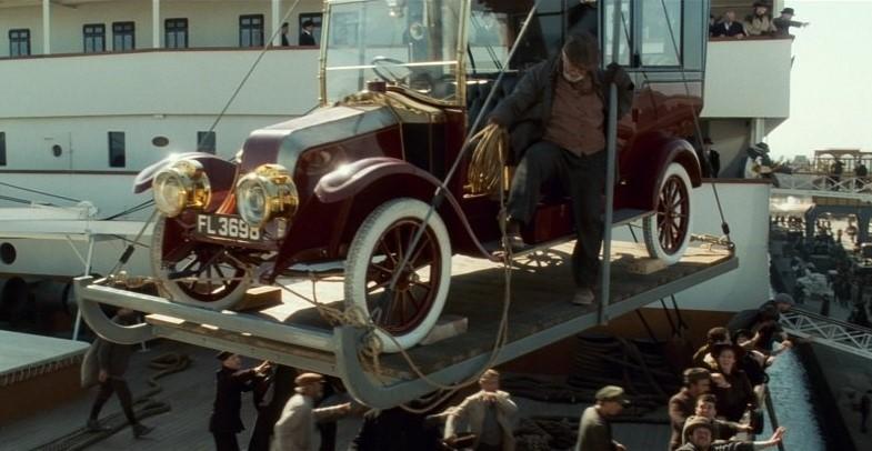 1912 Renault Type CB Coupé de Ville on crane