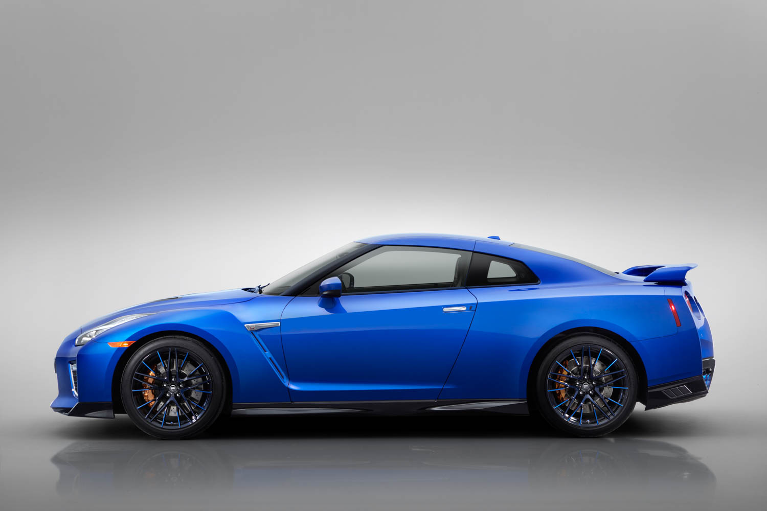 Nissan 50th Anniversary GT-R side profile