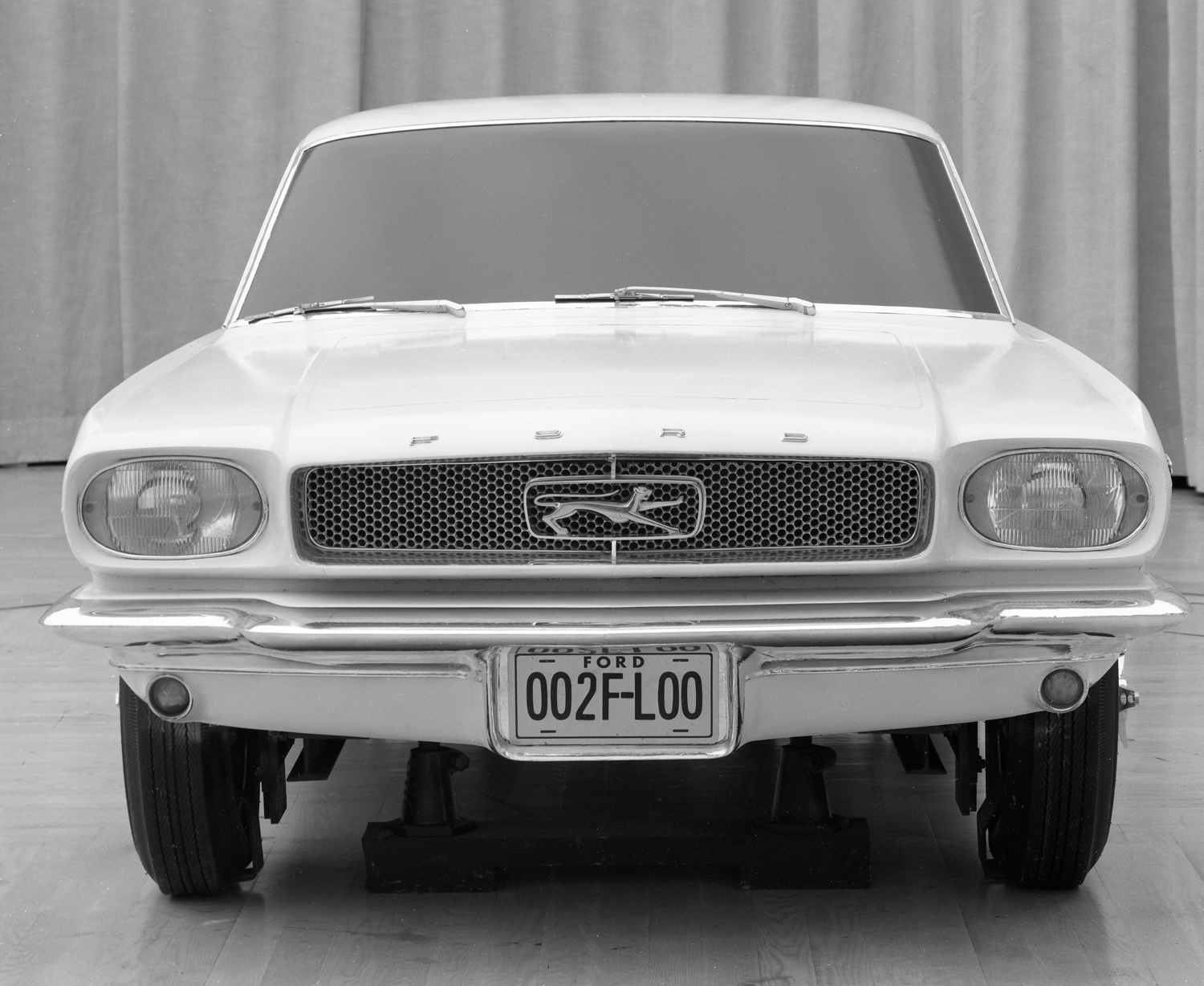 Ford Mustang cougar concept model front end